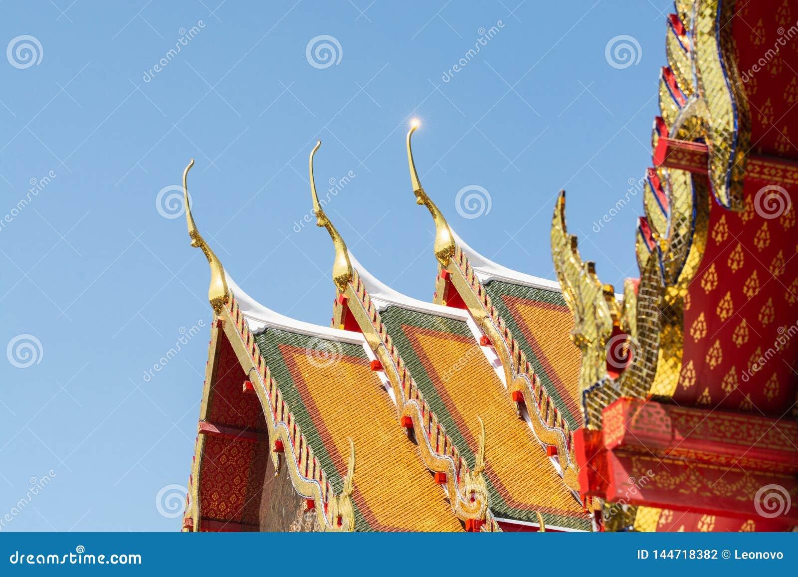 Detalj av det Wat Pho Reclining Buddha tempelkomplexet i Bangkok, Thailand