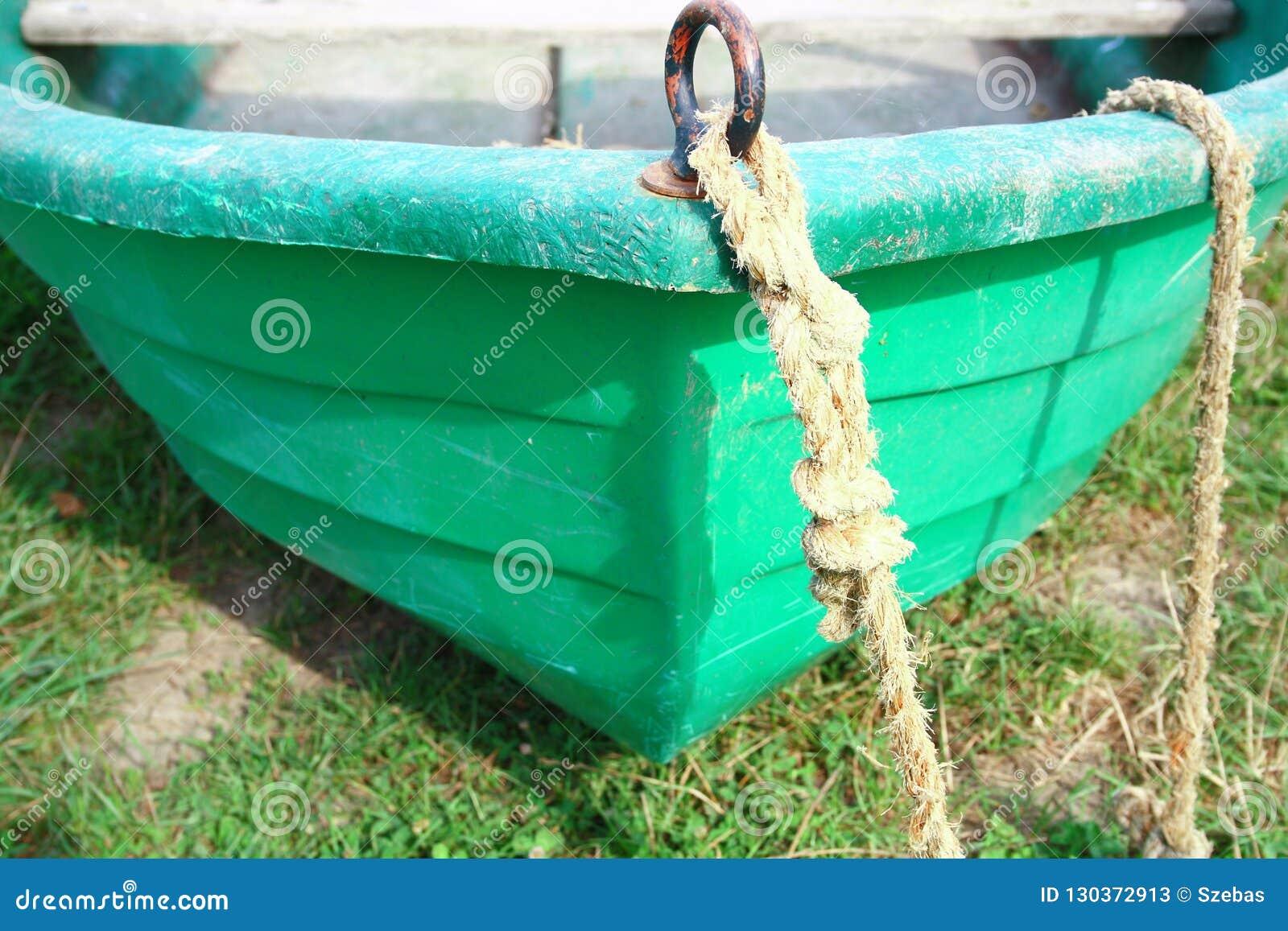 Detalle de la nariz del barco de la fibra de vidrio