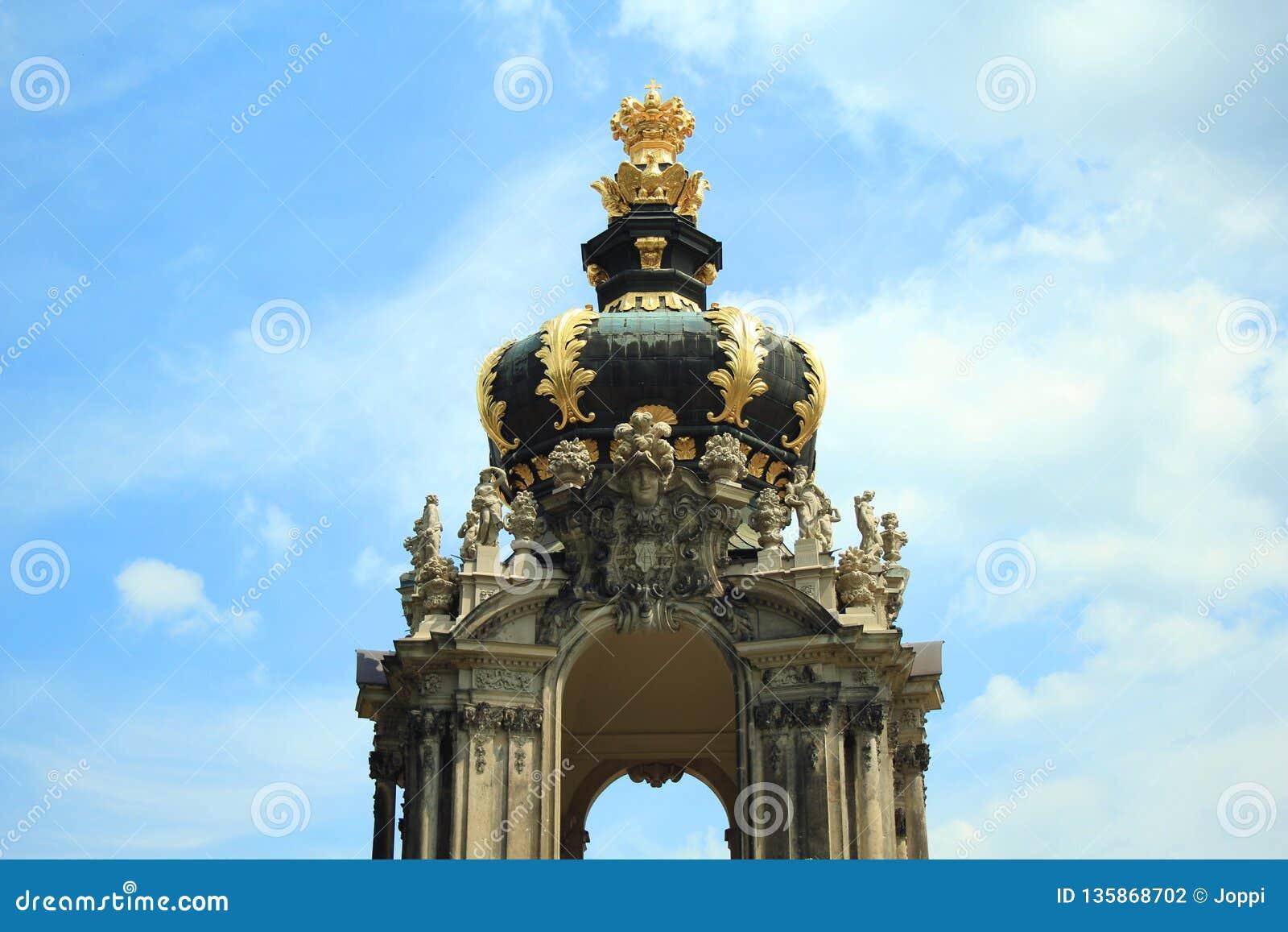 Detalle de la puerta Dresdner Zwinger, Dresden, Alemania de la entrada