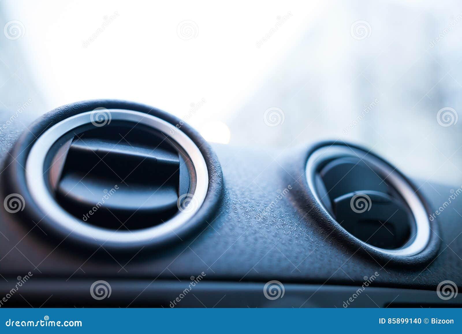 Detalle de las salidas de aire del coche