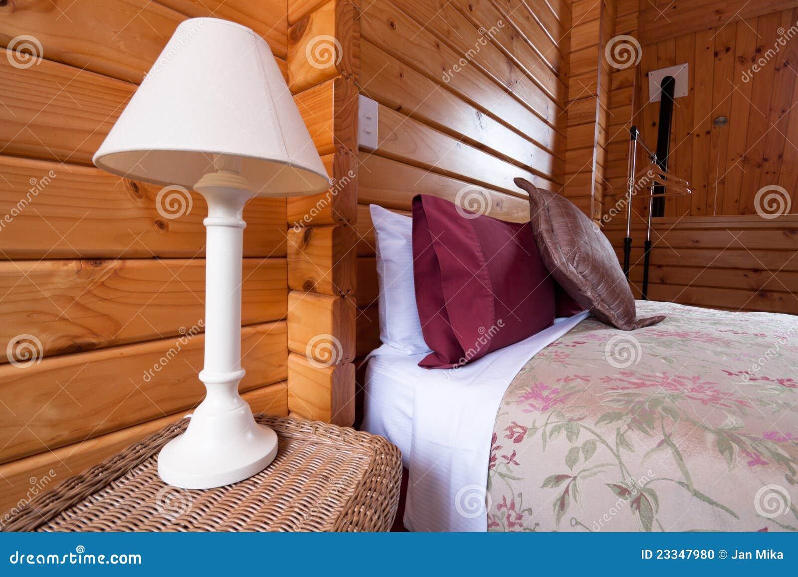 Detalle de madera del interior del dormitorio de la casa - Detalles para la casa ...