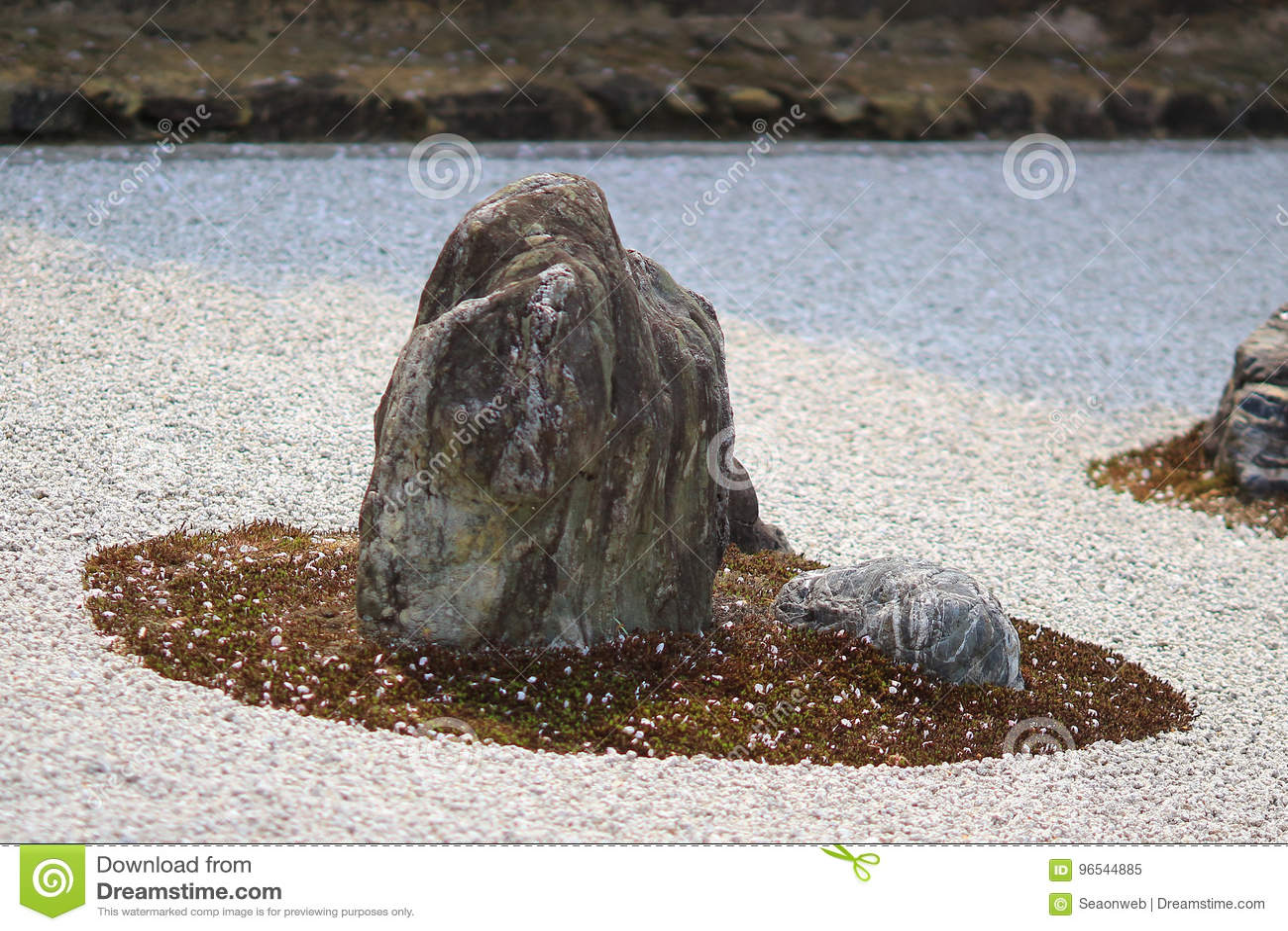 Detalle de un jardín de roca en el templo de Ryoan-ji en Kyoto, Japón