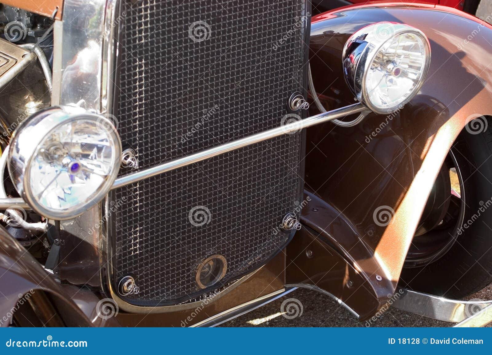 Detalle del coche antiguo