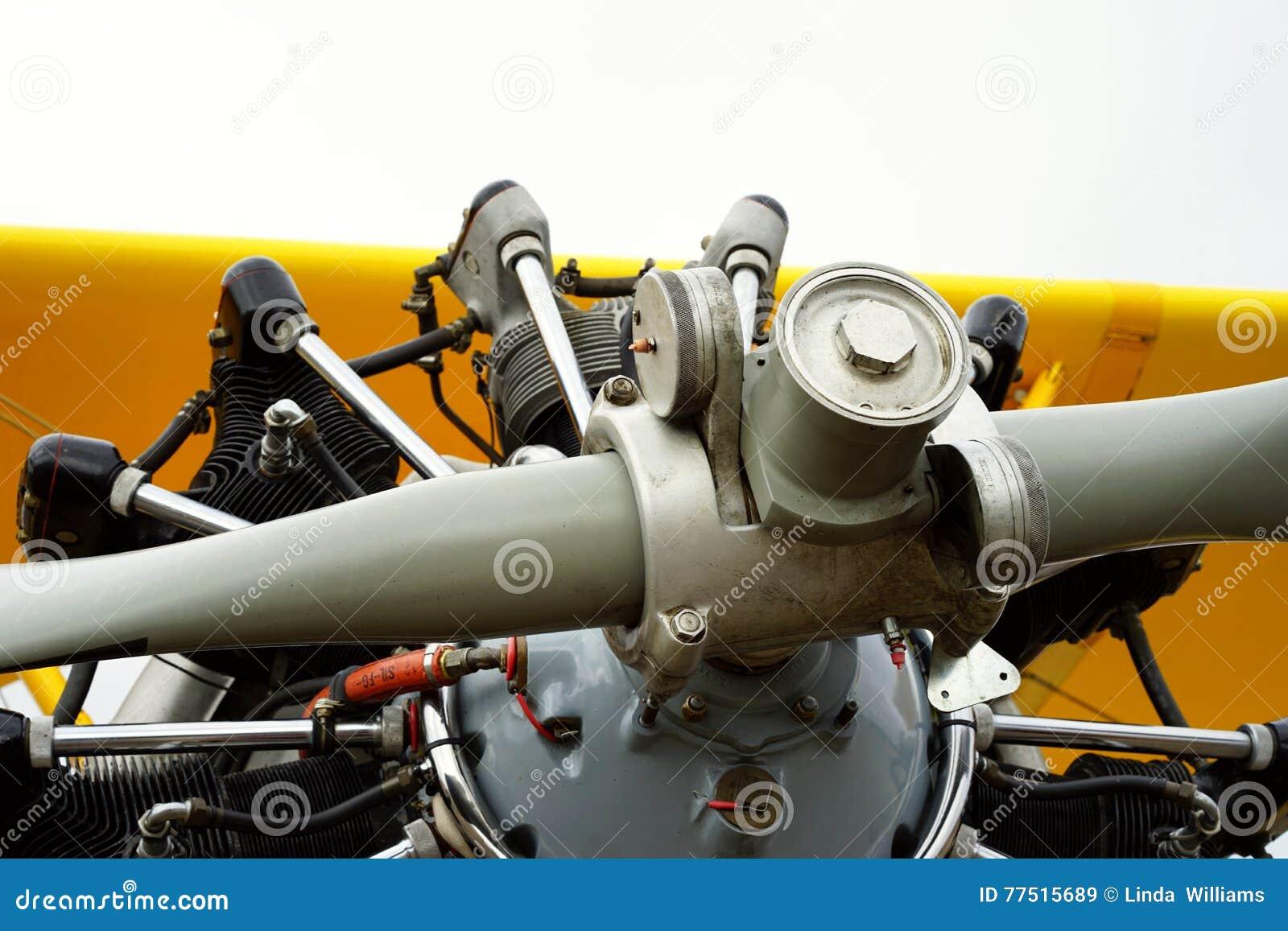 Detalle del motor de avión del entrenamiento del vintage