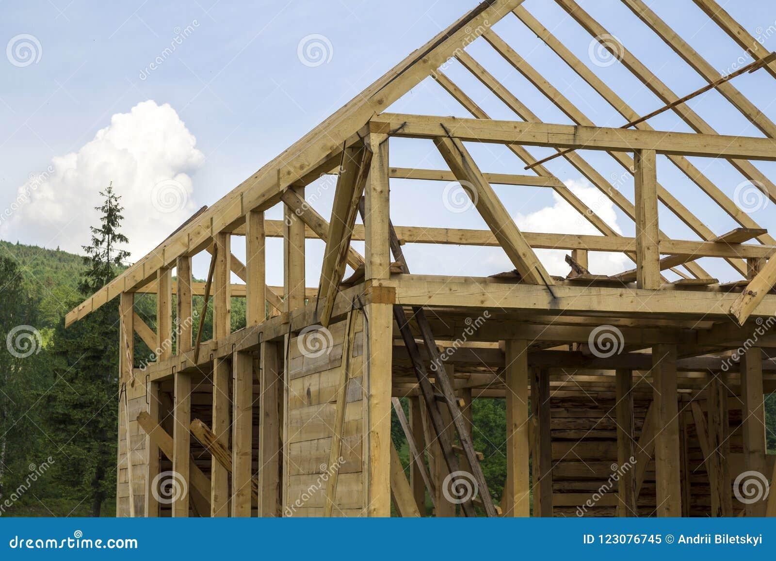 Detalle Del Primer De La Nueva Casa De Madera Bajo Construcción ...