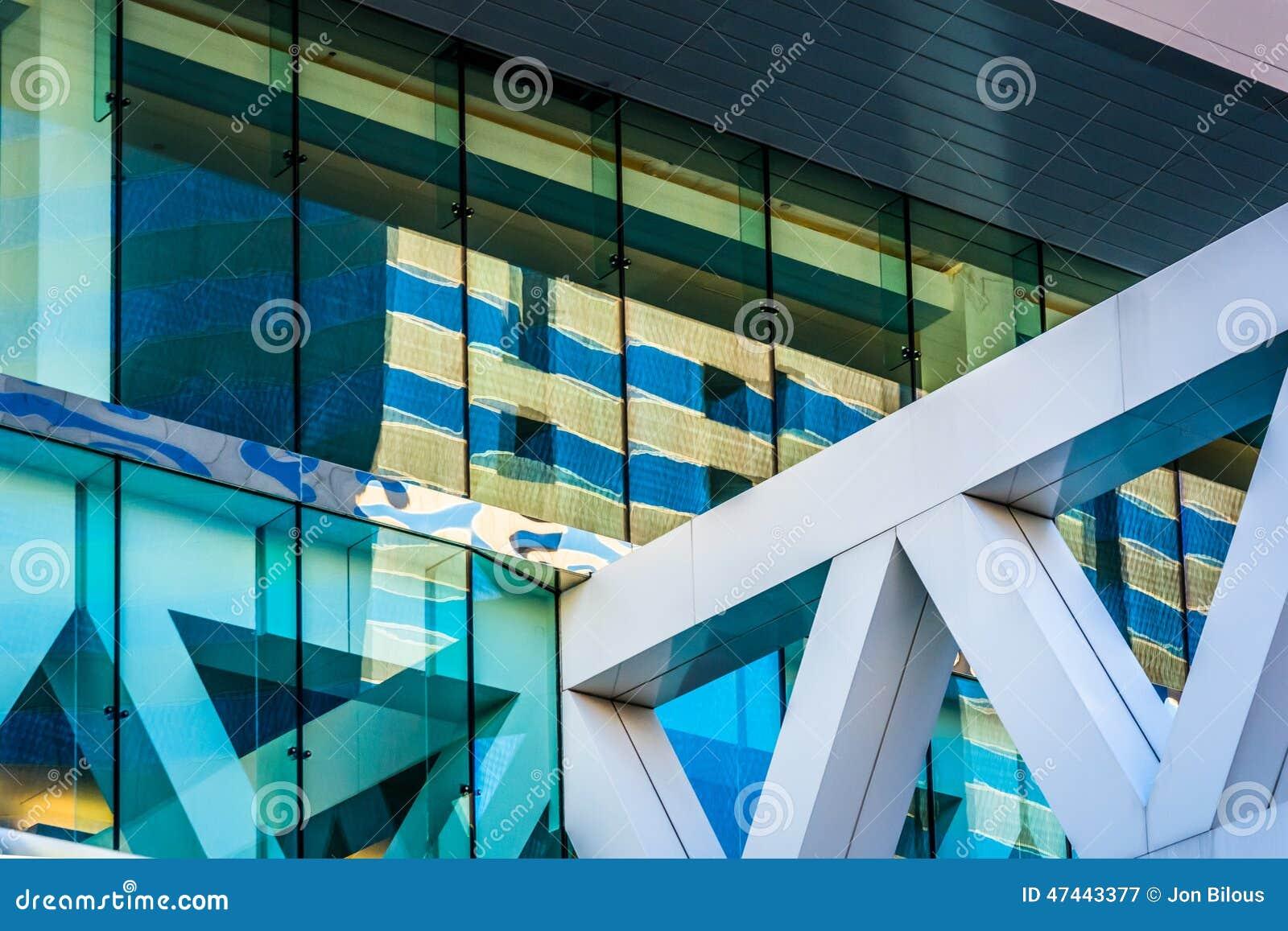 Detalles arquitectónicos de Convention Center en Baltimore, marcha
