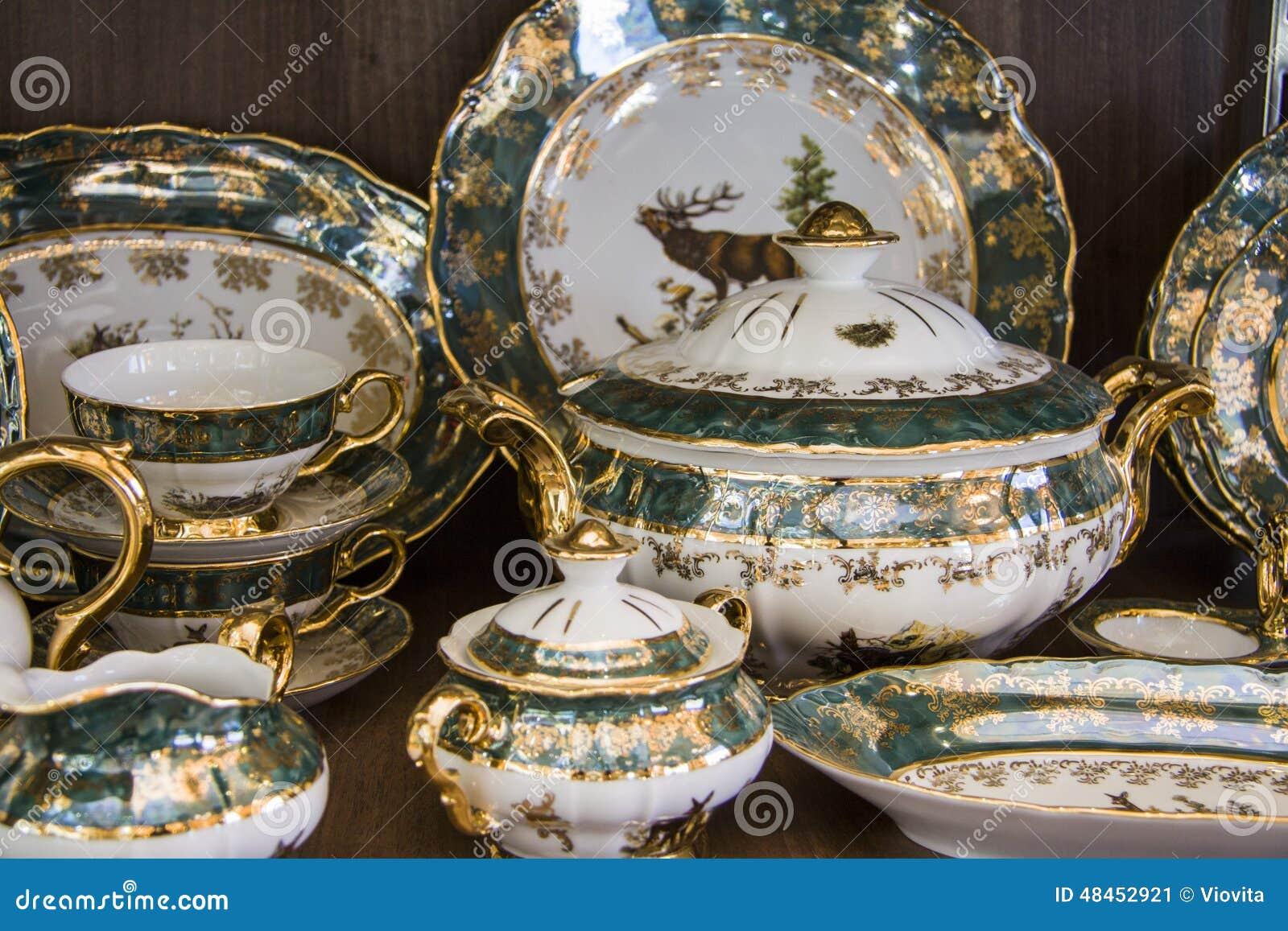 Detalles del vajilla elegante verde foto de archivo for Vajilla oriental