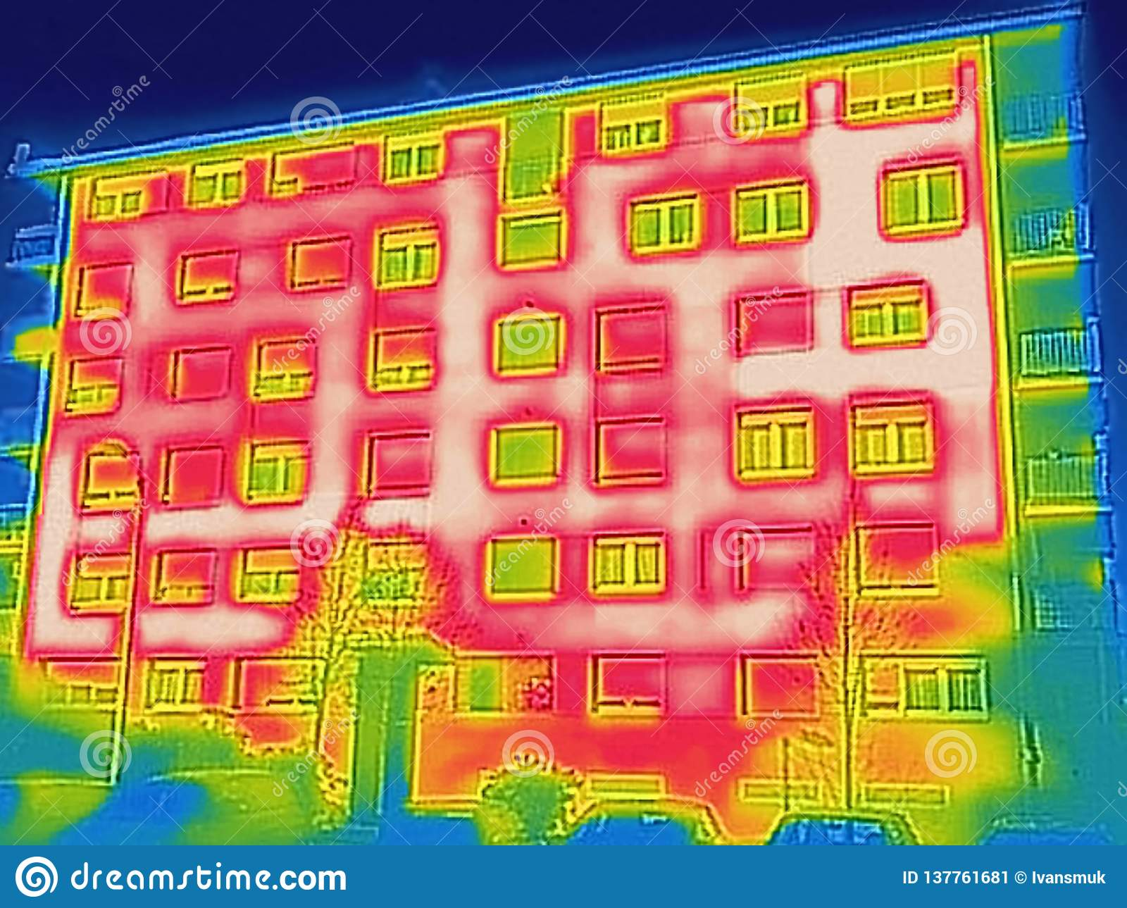 Detecting Heat Loss Outside building