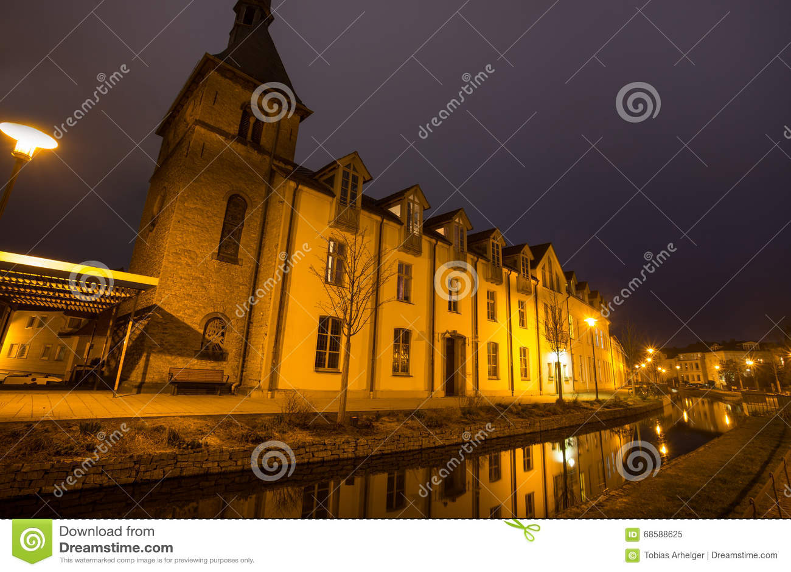 Detmold Germania della chiesa di bonifatius della st nella sera