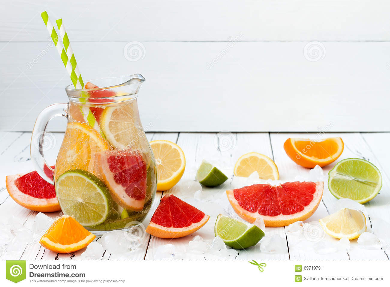 Detox citrus infused flavored water refreshing summer for Cocktail detox