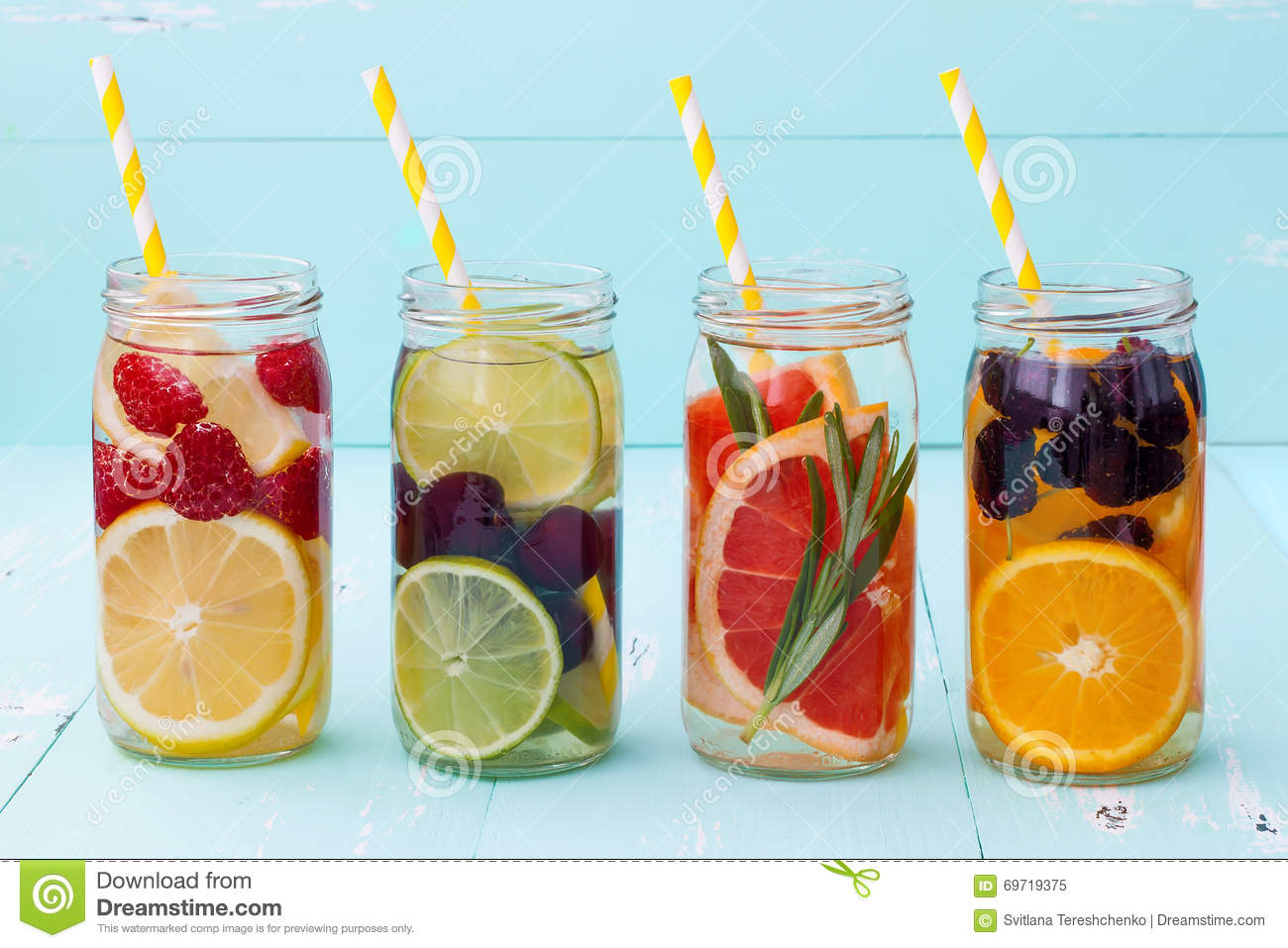 Detox fruit infused flavored water refreshing summer for Cocktail detox