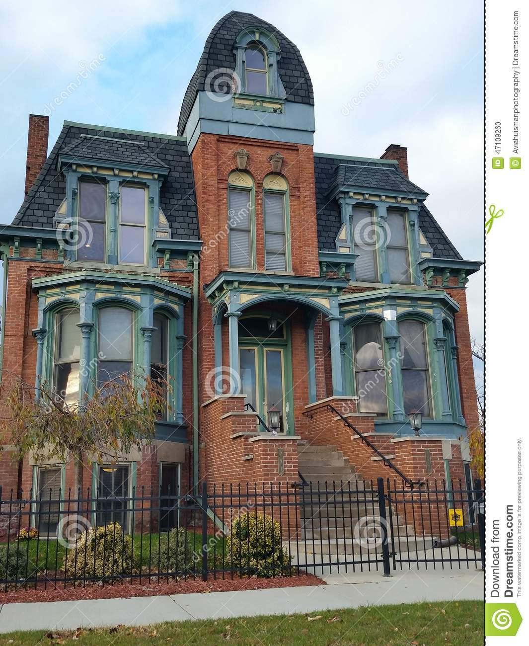 abandoned - Victorian Home