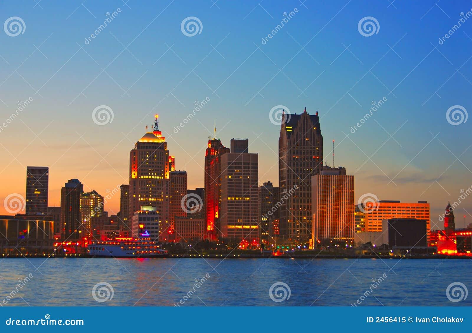 Detroit par coucher du soleil