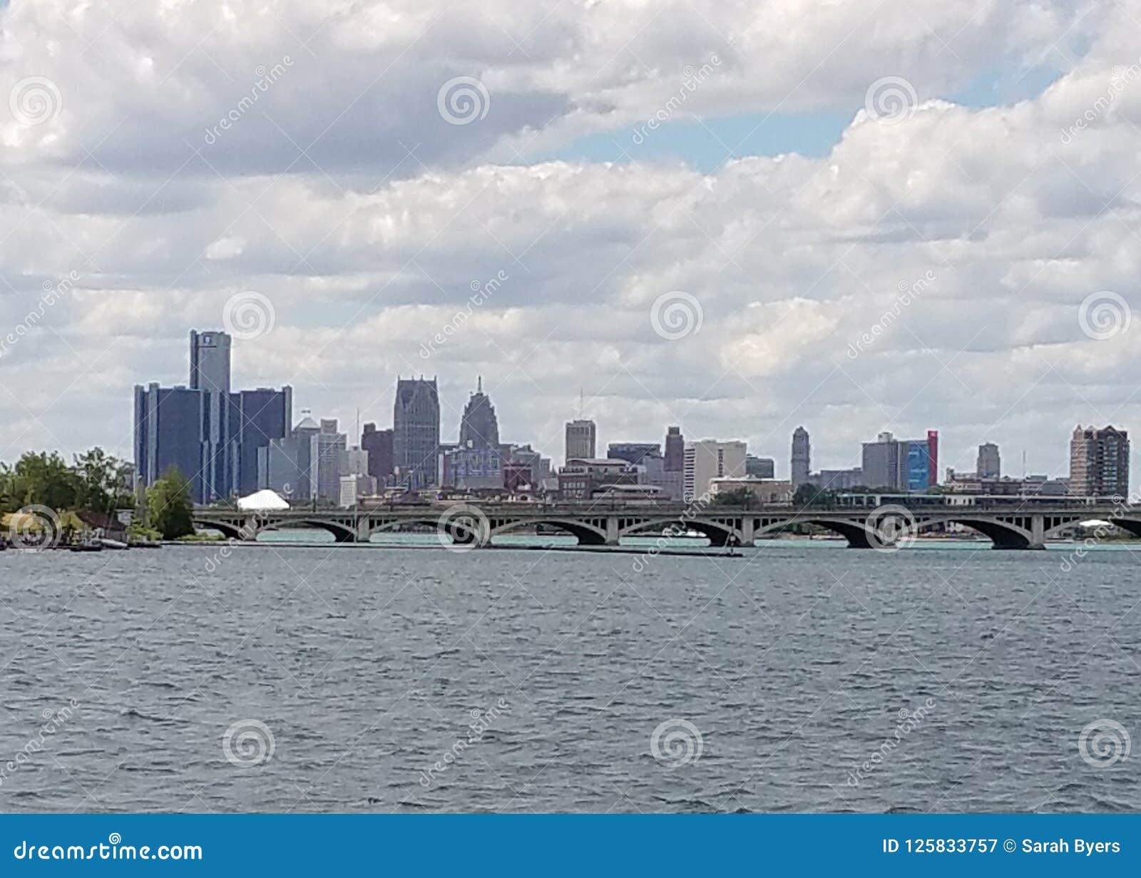 Detroit-Skyline vom Belle Isle-Fischenpier