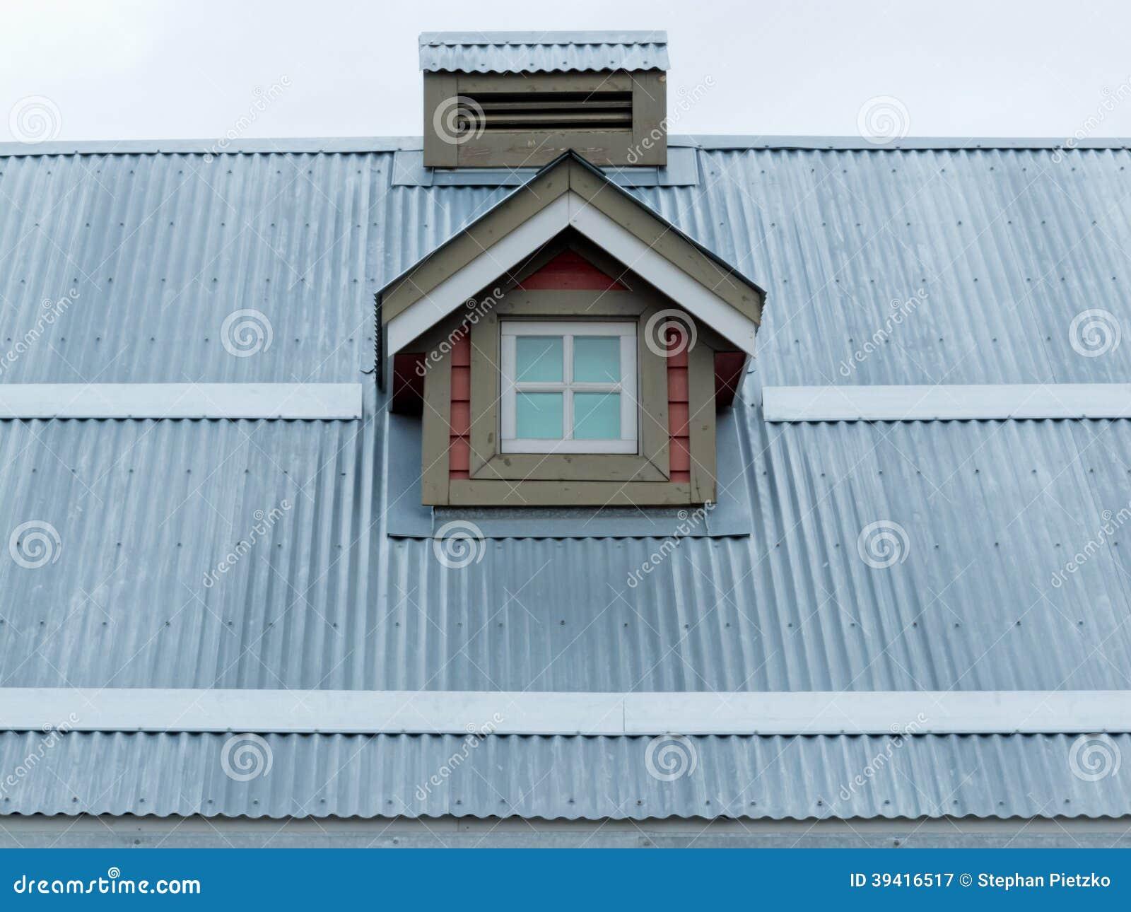 Dettaglio di architettura dell 39 abbaino del tetto del for Abbaino tetto prezzi