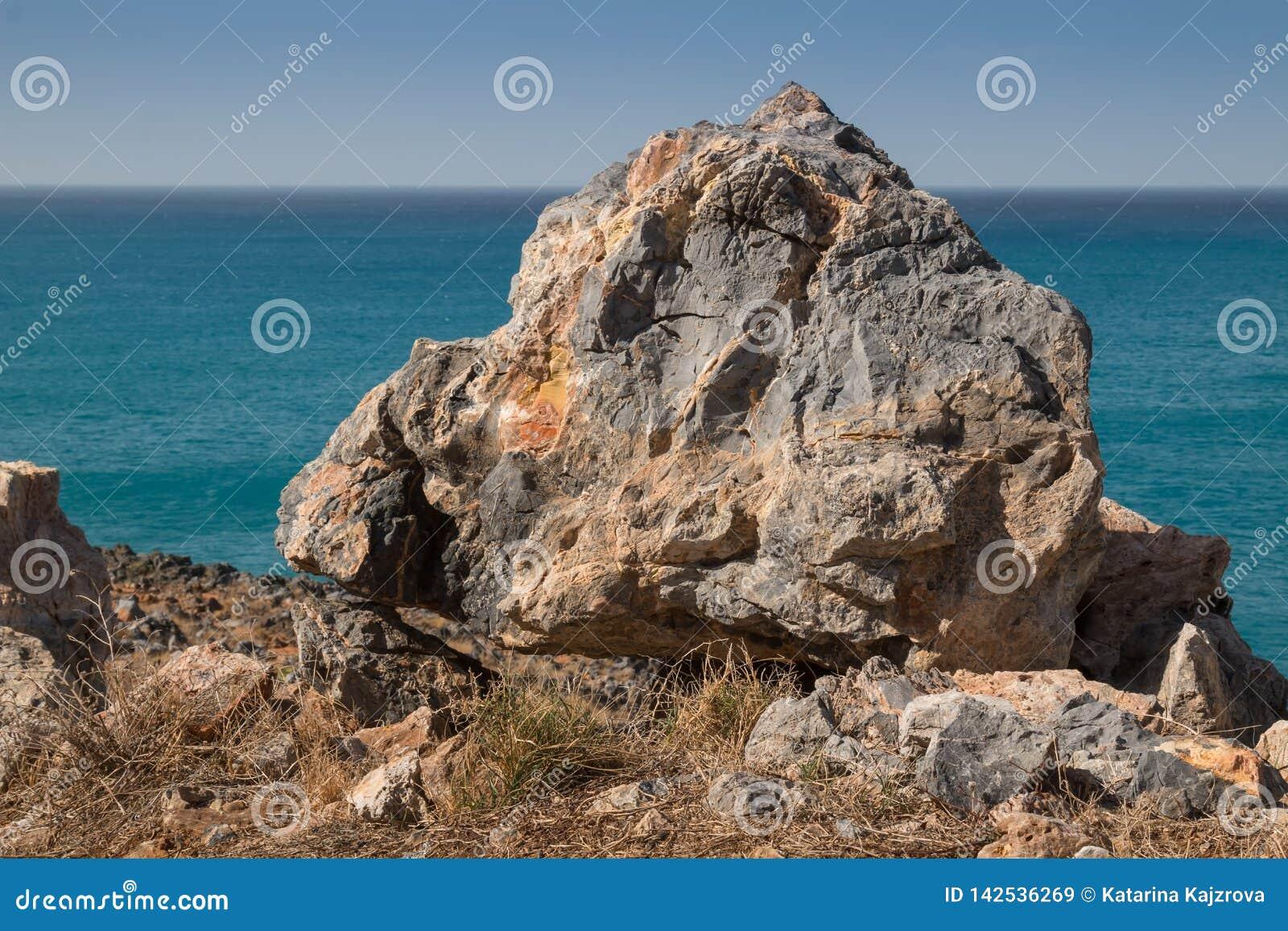 Dettaglio di una roccia alla collina della spiaggia