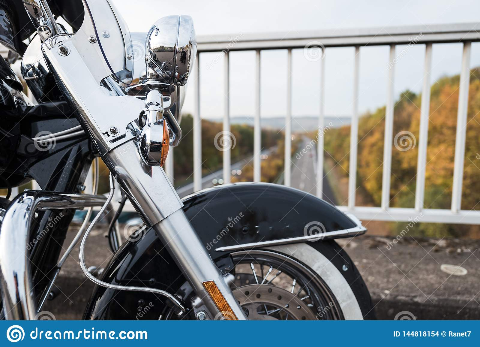 Dettaglio di una ruota anteriore da un motociclo