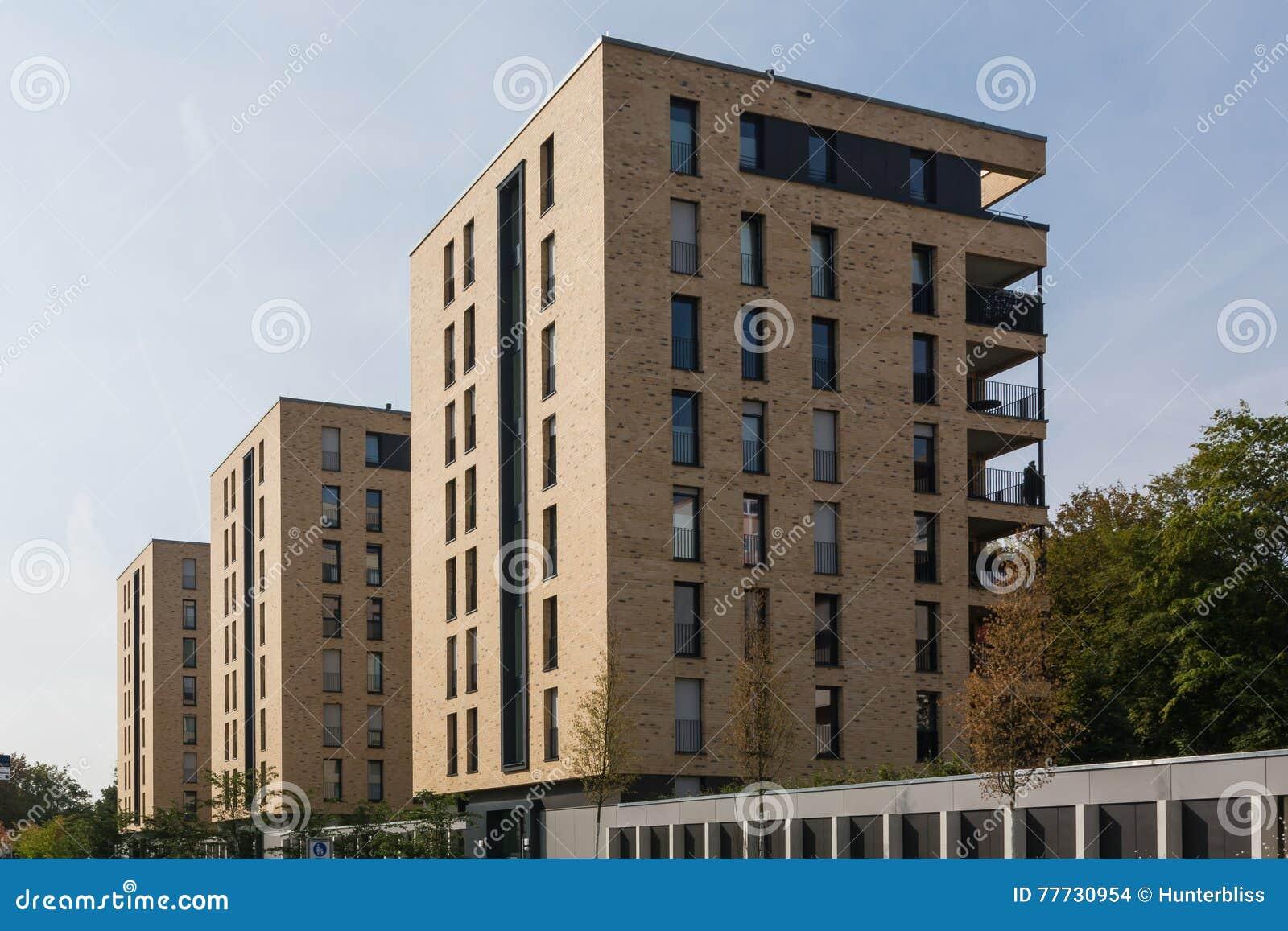 Deutsche architektur wohngebäude komplex moderne balkone teuer