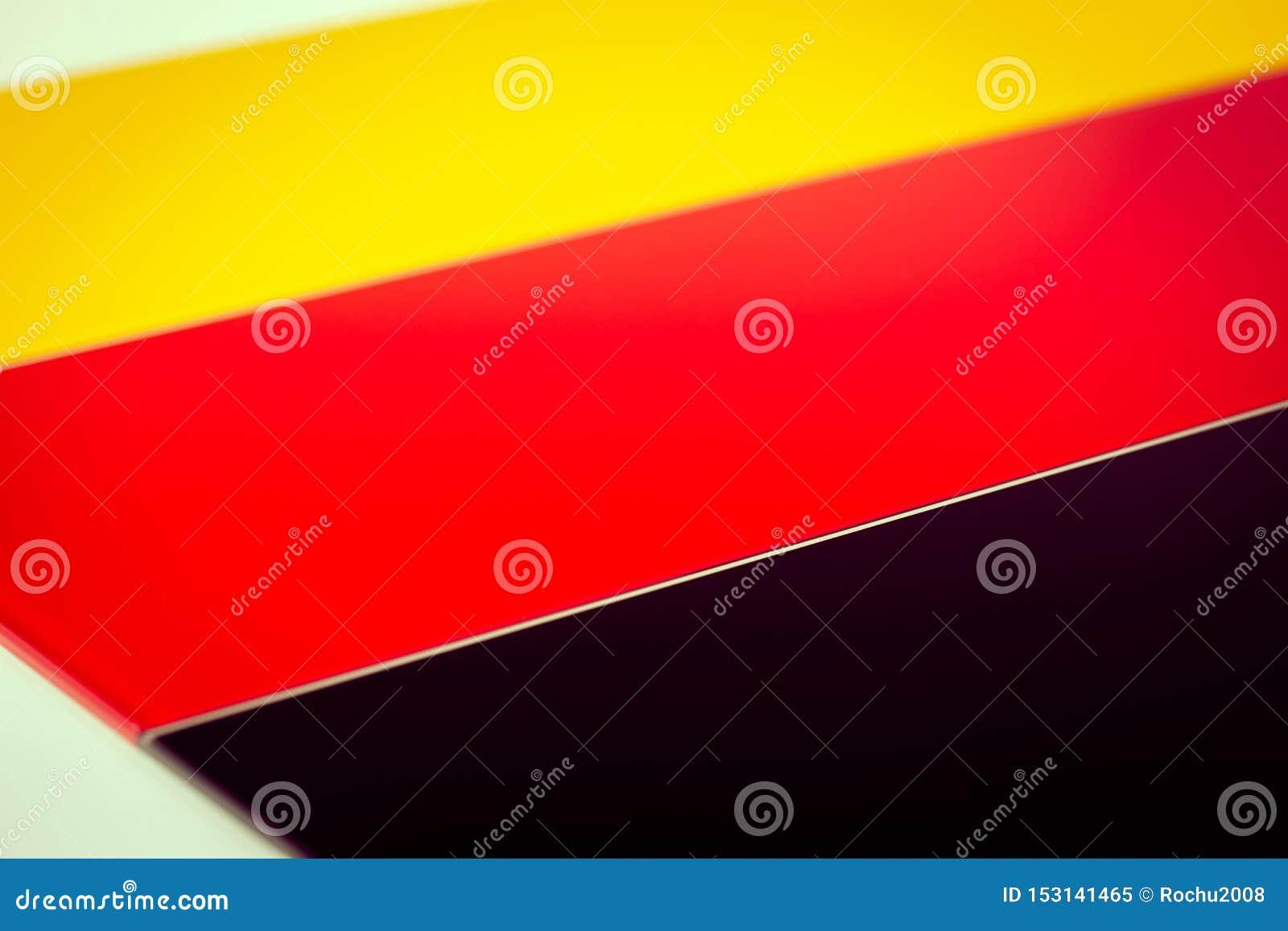 Deutsche Flagge bestanden aus Stücken farbigem Glas