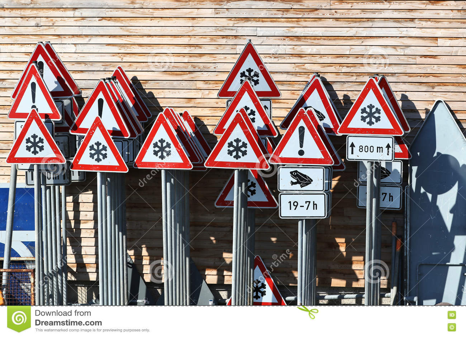 deutsche verkehrsschilder stockfoto bild von