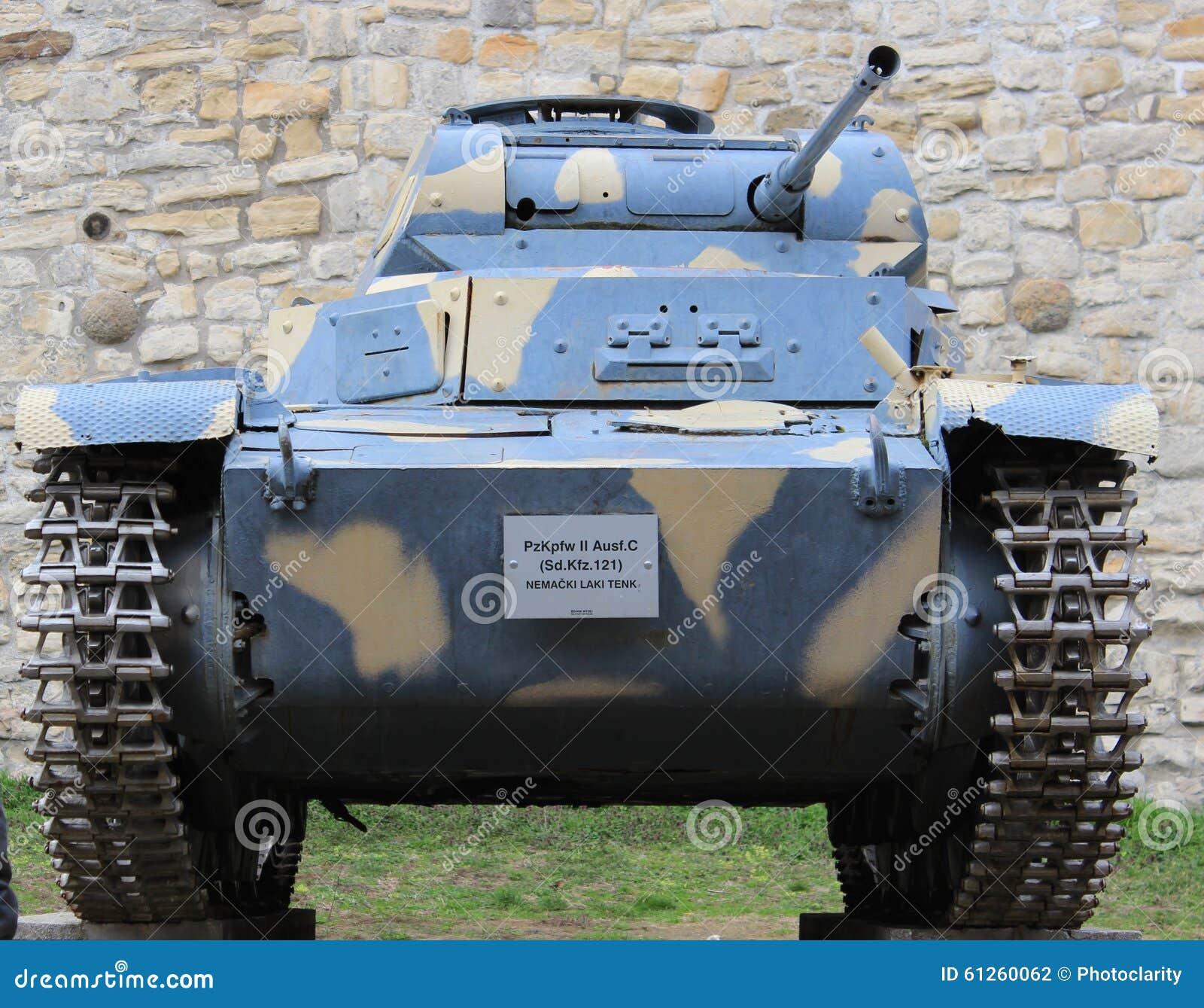 Deutscher Heller Behälter Panzer WWII Stockfoto - Bild von ...