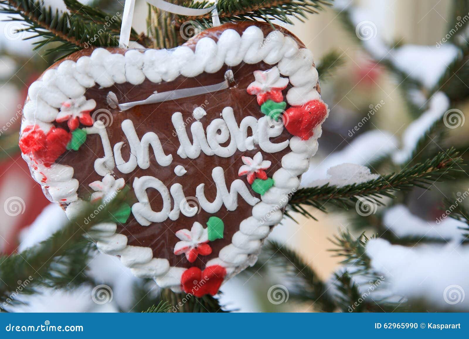 Weihnachtsmarkt Englisch.Deutsches Lebkuchenherz Mit Dem Wörter Ich Liebe Dich übersetzt In