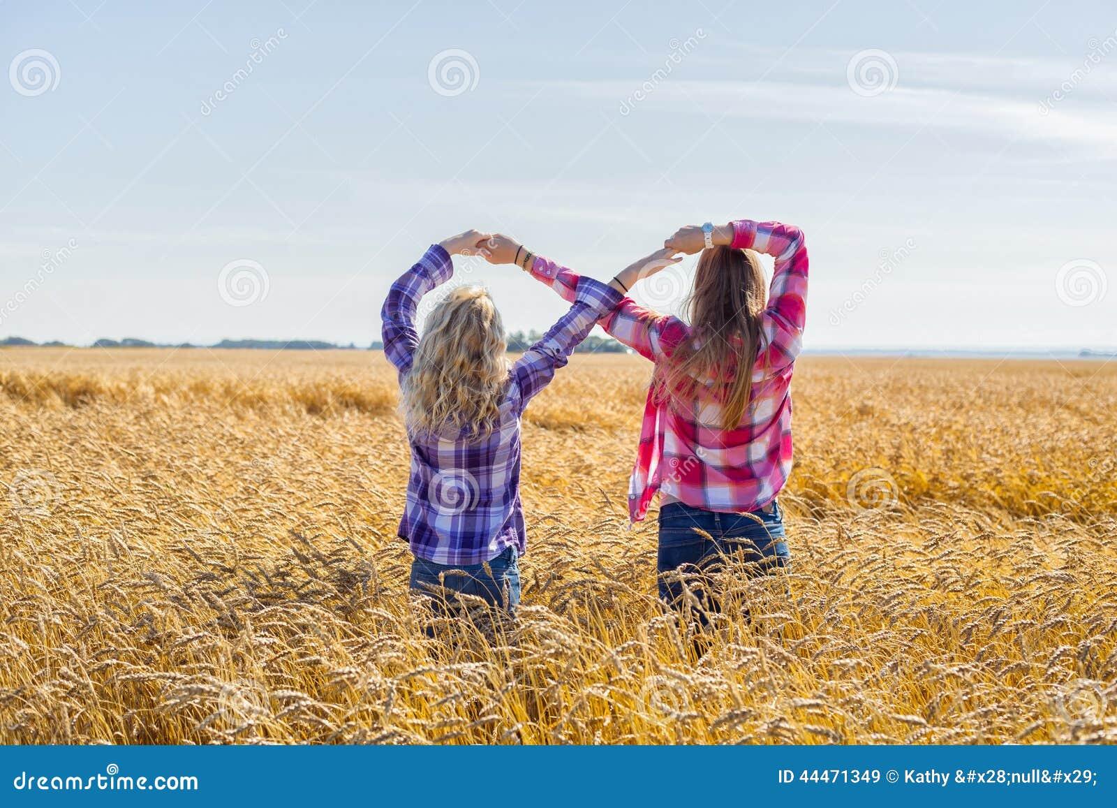 Deux adolescentes faisant le signe d 39 infini photo stock image 44471349 - Le signe de l infini ...