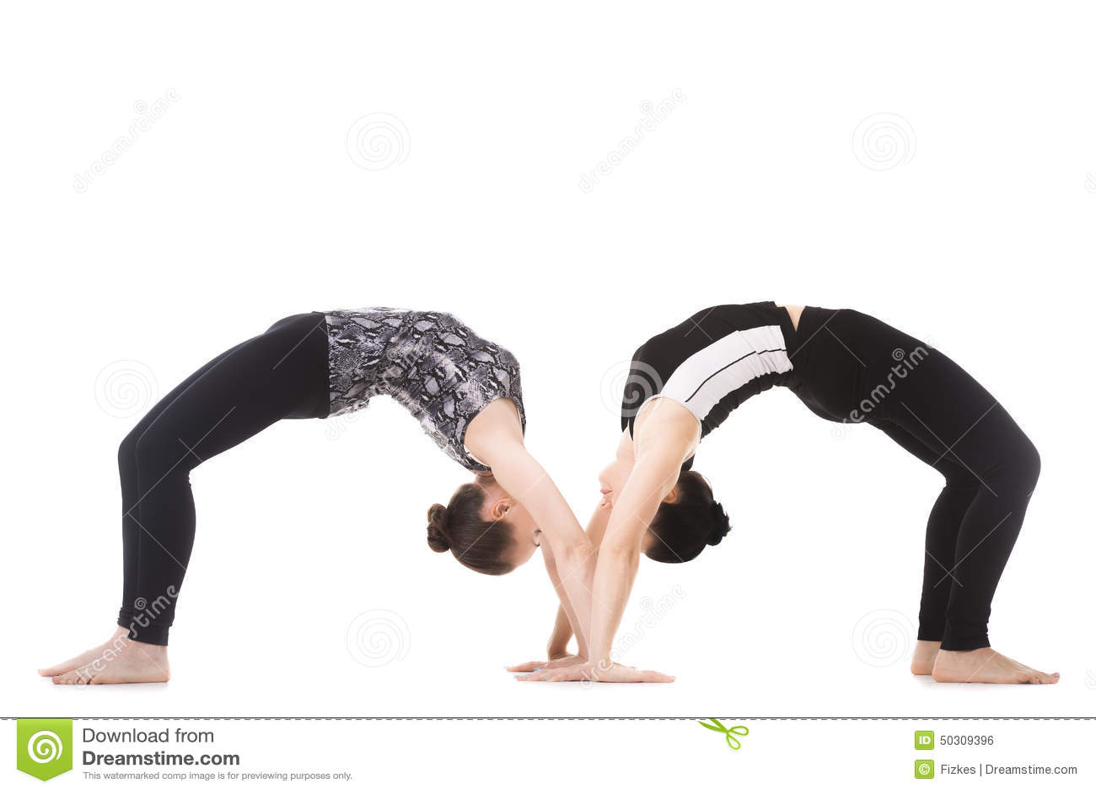 Fabulous Jeunes Couples Sains En Position De Yoga Photo stock - Image: 63112787 VP38