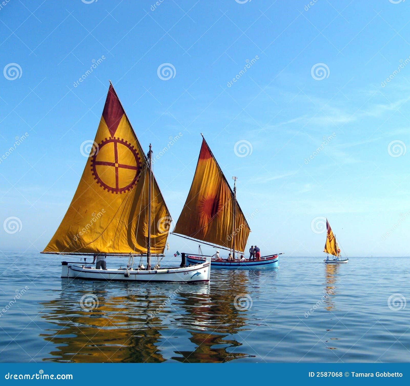 Deux bateaux restaurés
