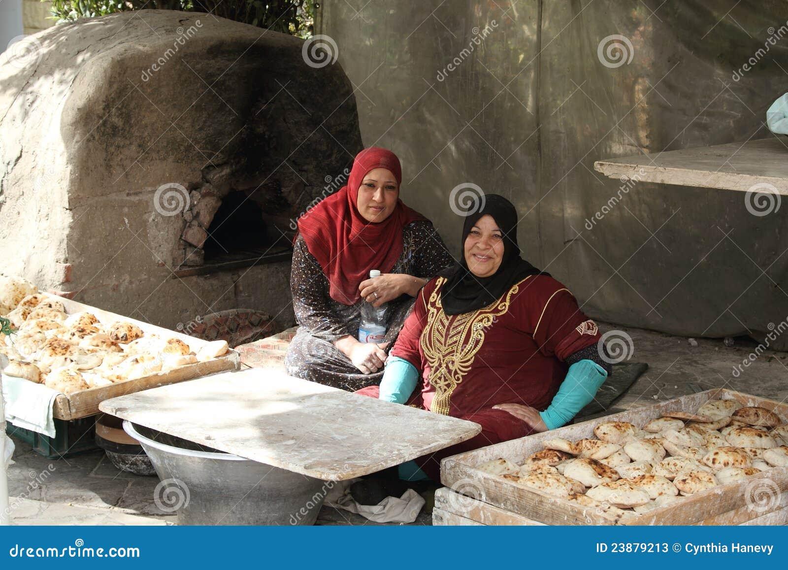 Deux boulangers féminins au Caire