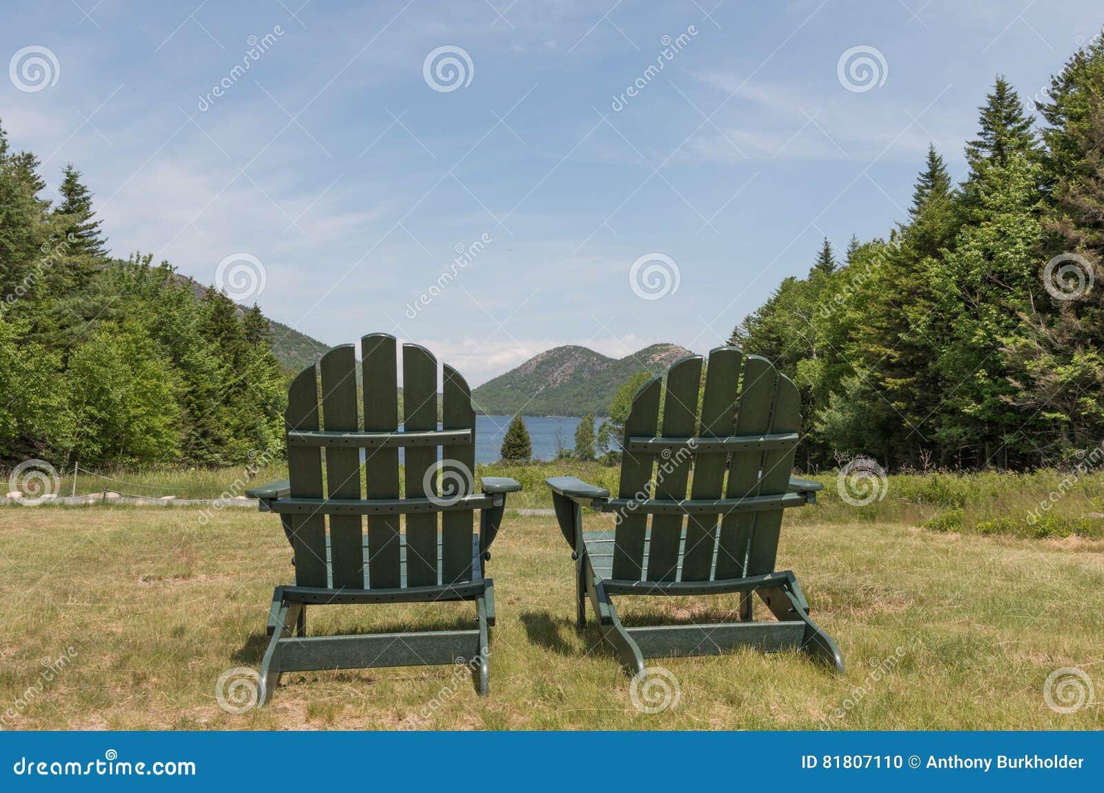 Deux chaises scéniques