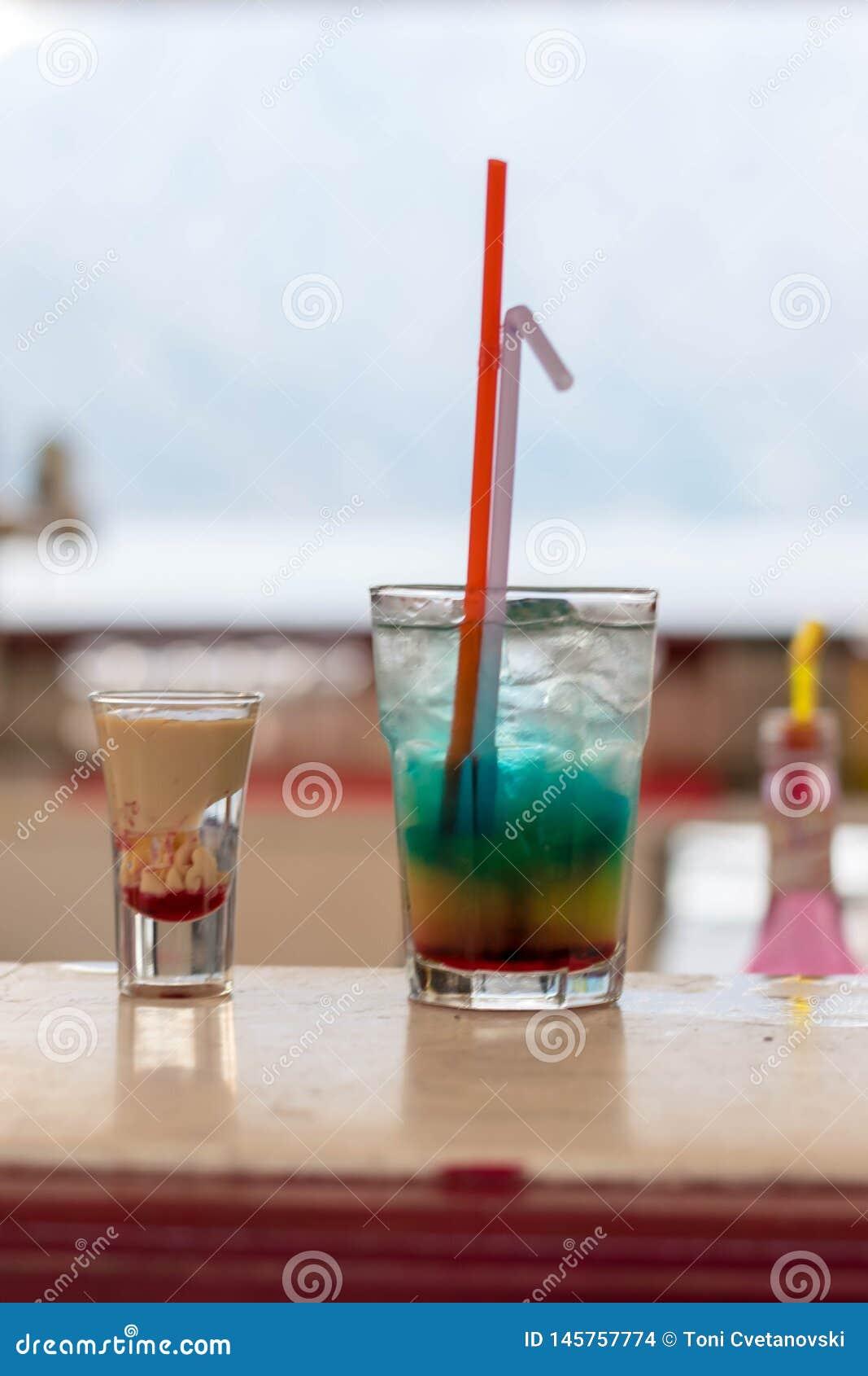 Deux cocktails exotiques