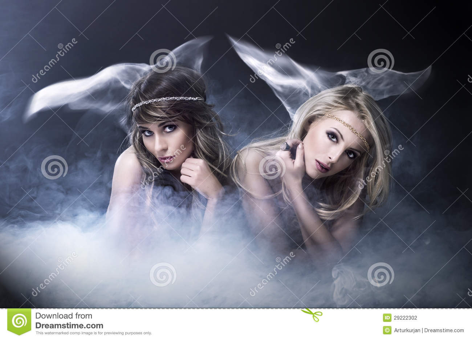 Deux femmes aiment la sirène