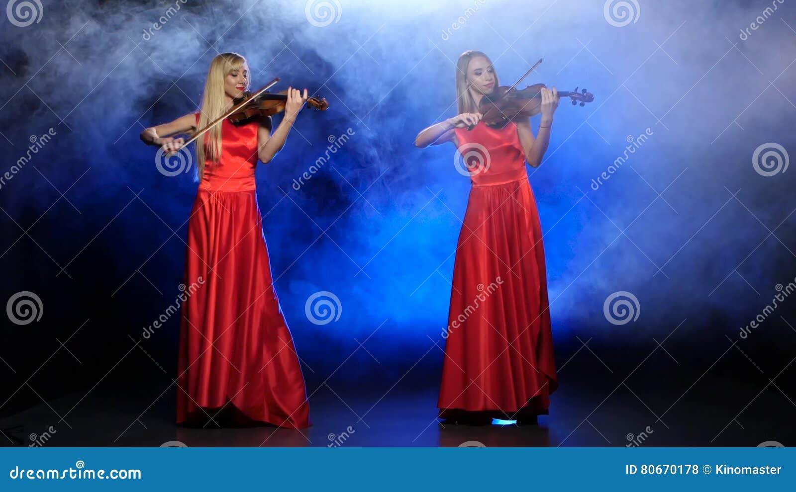 deux filles donnant des pipes rencontres pipe