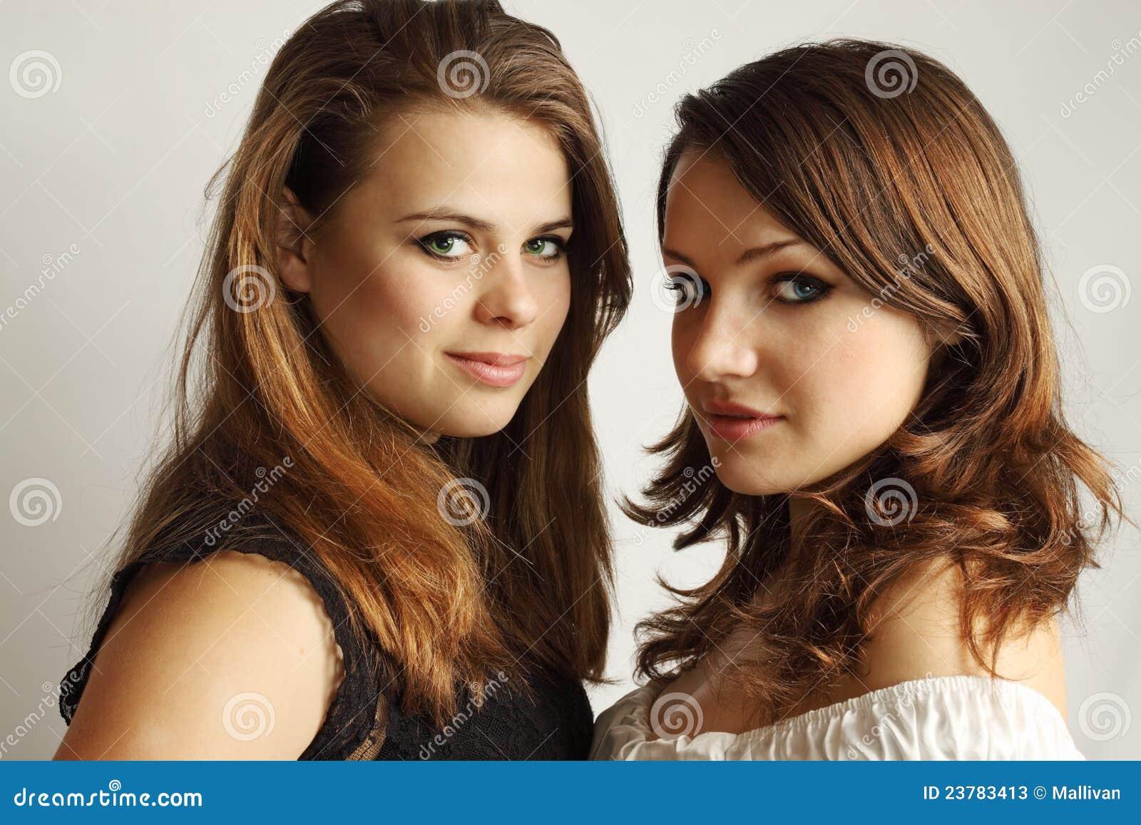 deux lesbiennes filles mariée porno