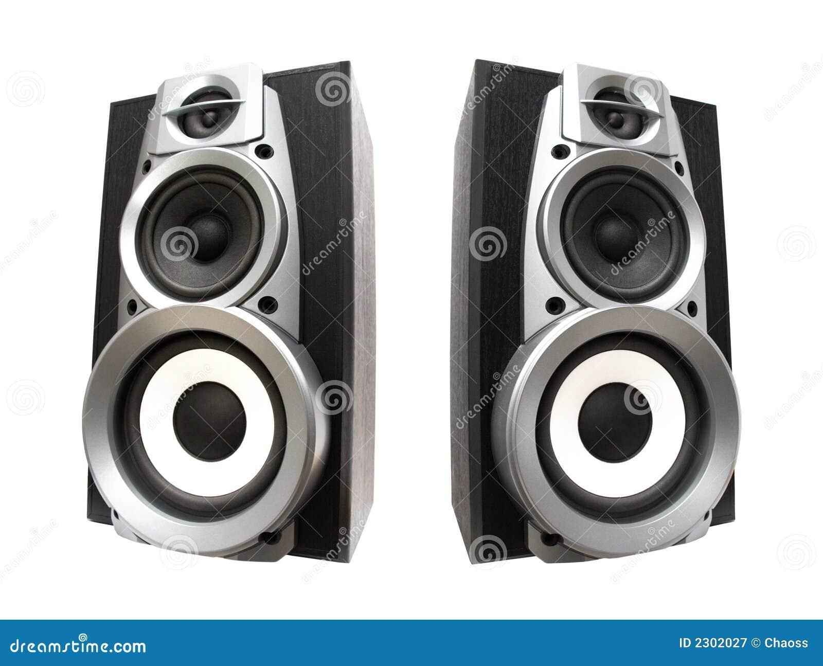 Deux haut-parleurs forts grands
