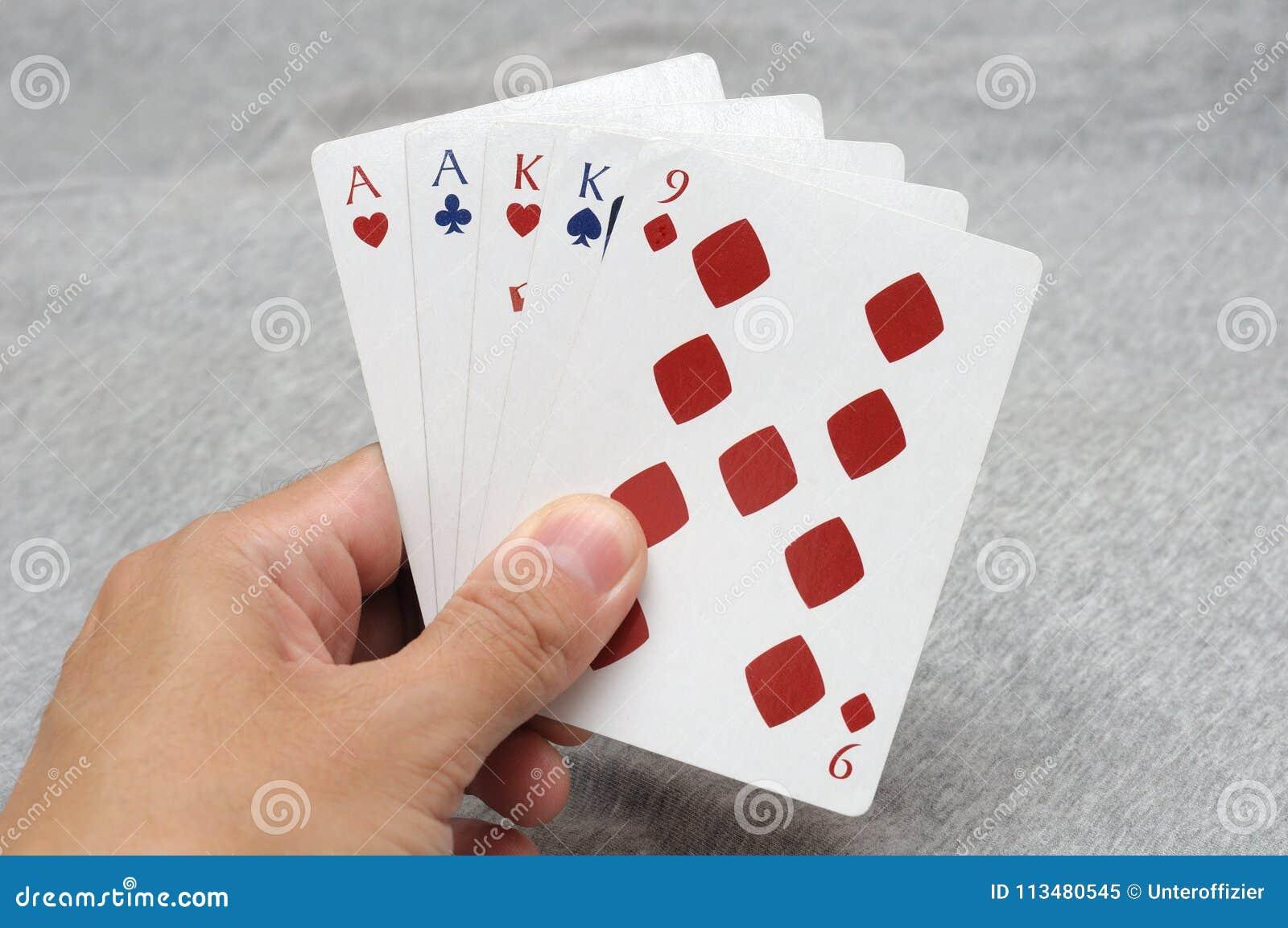 Deux mains de poker de paires