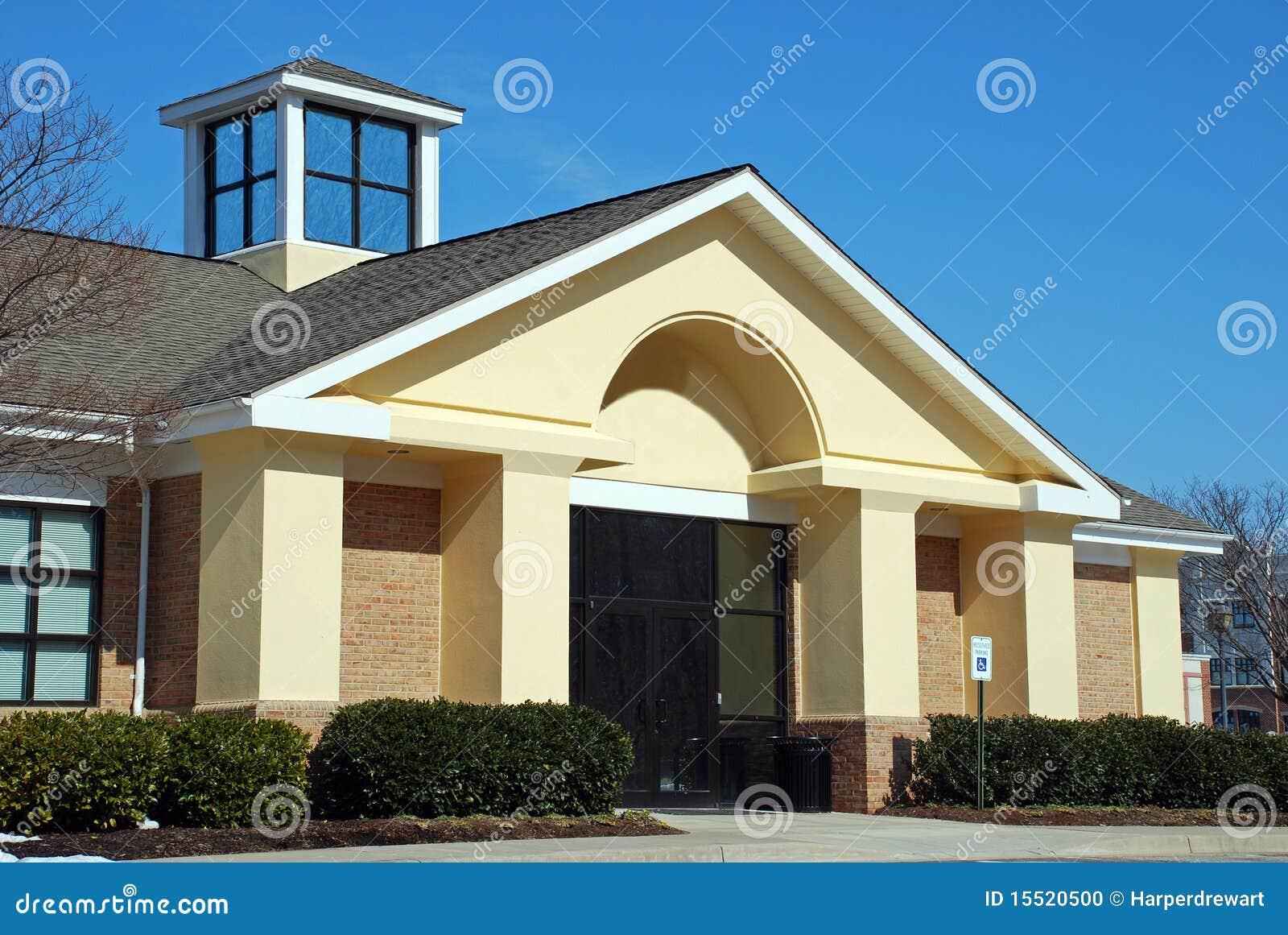 Devanture de magasin moderne d 39 immeuble de bureaux photo for Immeuble bureau plan