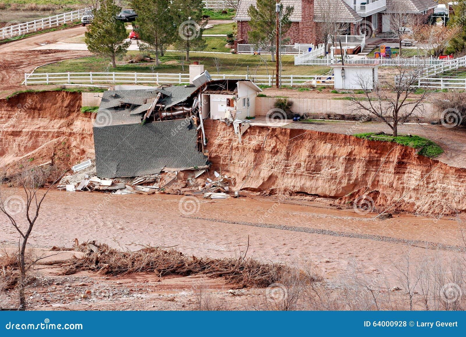 Devastação da inundação repentina