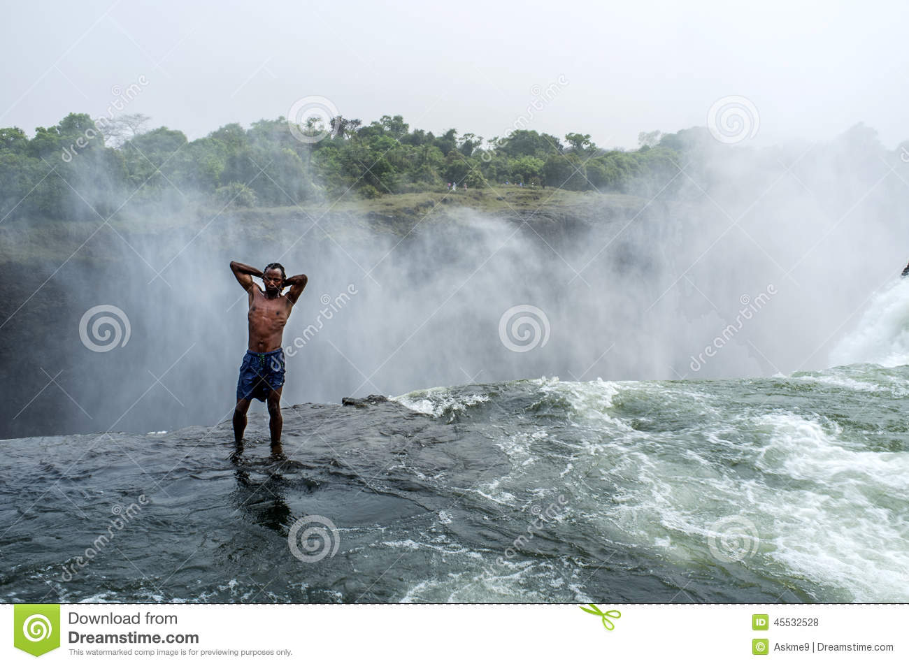Devils pool at victoria falls editorial stock photo for Piscina del diablo