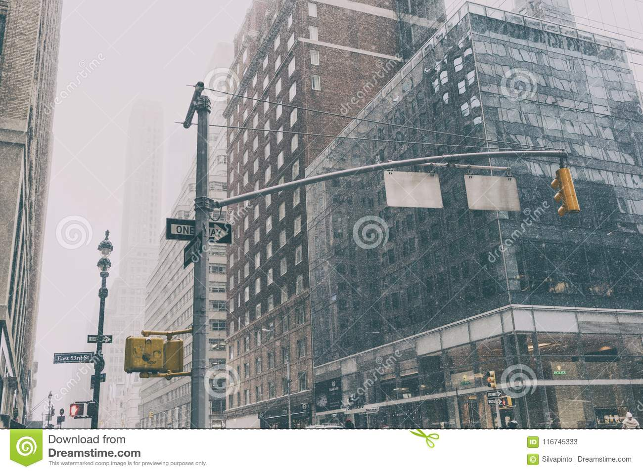 31 DEZ 2017 - NEW YORK/USA - New york street with traffic signs and snow.