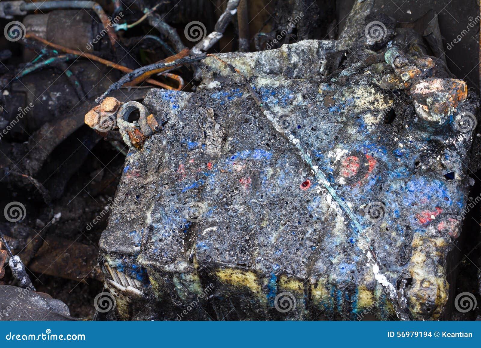 d g ts caus s par le feu de batterie de voiture photo stock image 56979194. Black Bedroom Furniture Sets. Home Design Ideas