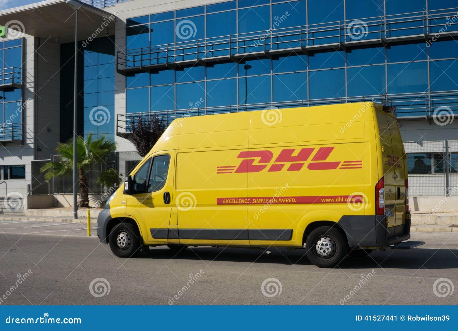 Dhl delivery van editorial photo image 41527441 for Oficinas dhl valencia