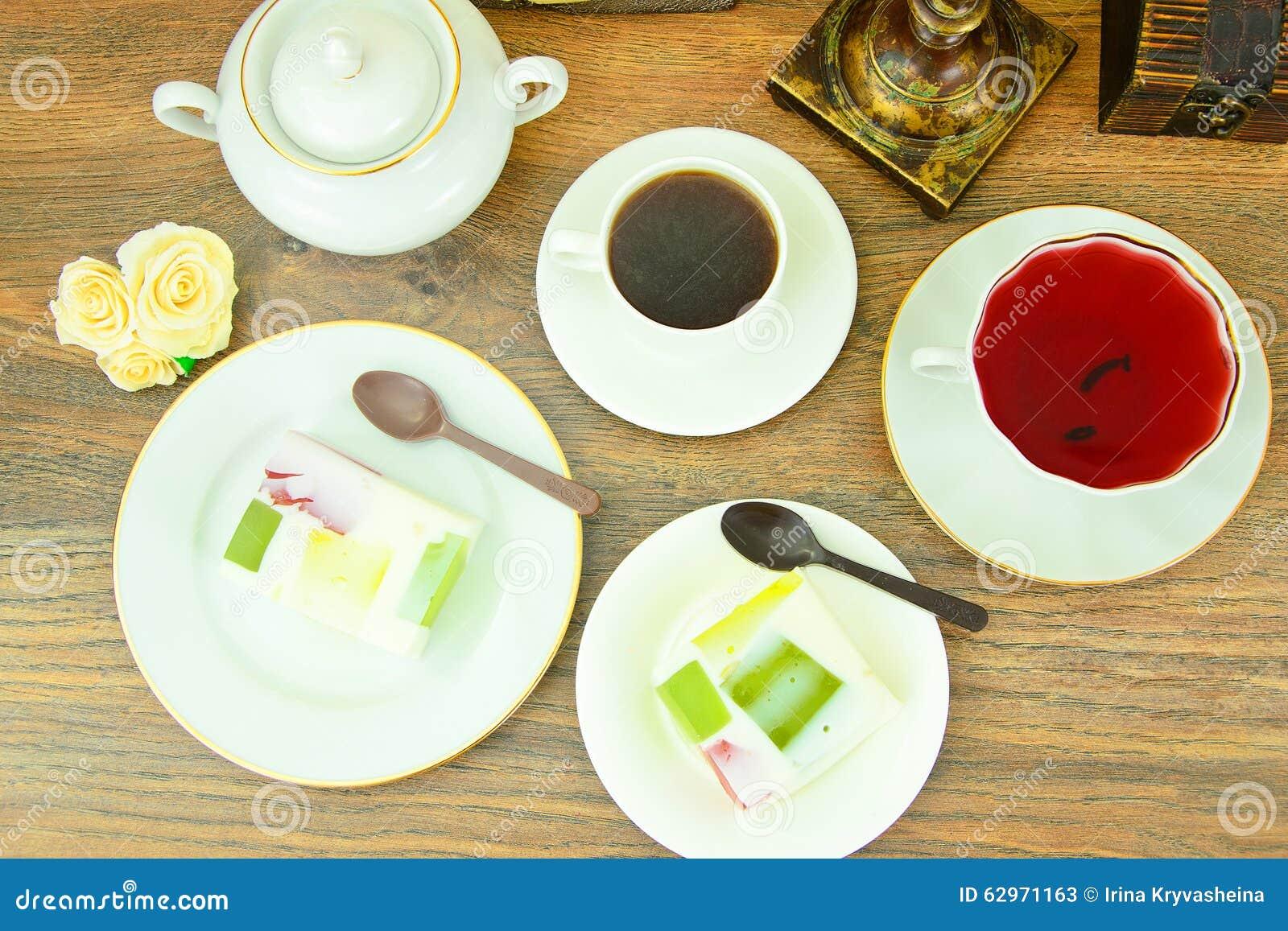 Diat Nachtisch Fruchtgelee Gelatine Und Tee Stockbild Bild Von