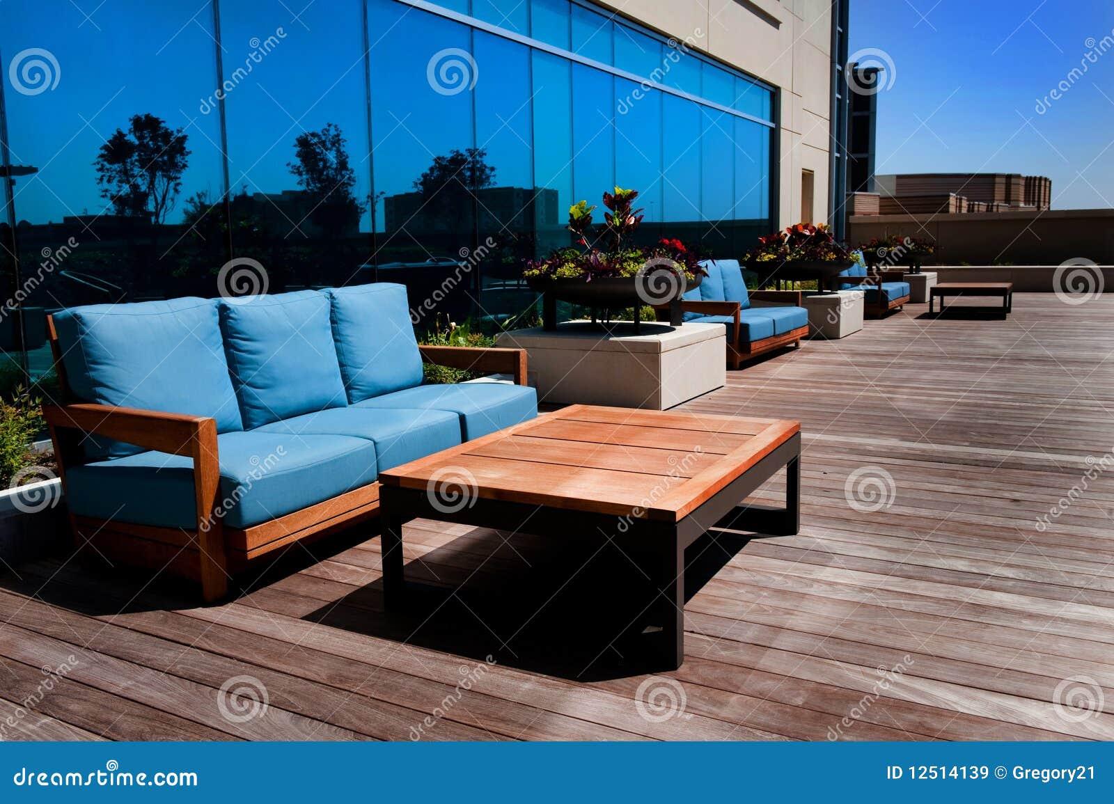 Di legno esterno della mobilia della piattaforma immagine for Mobilia download