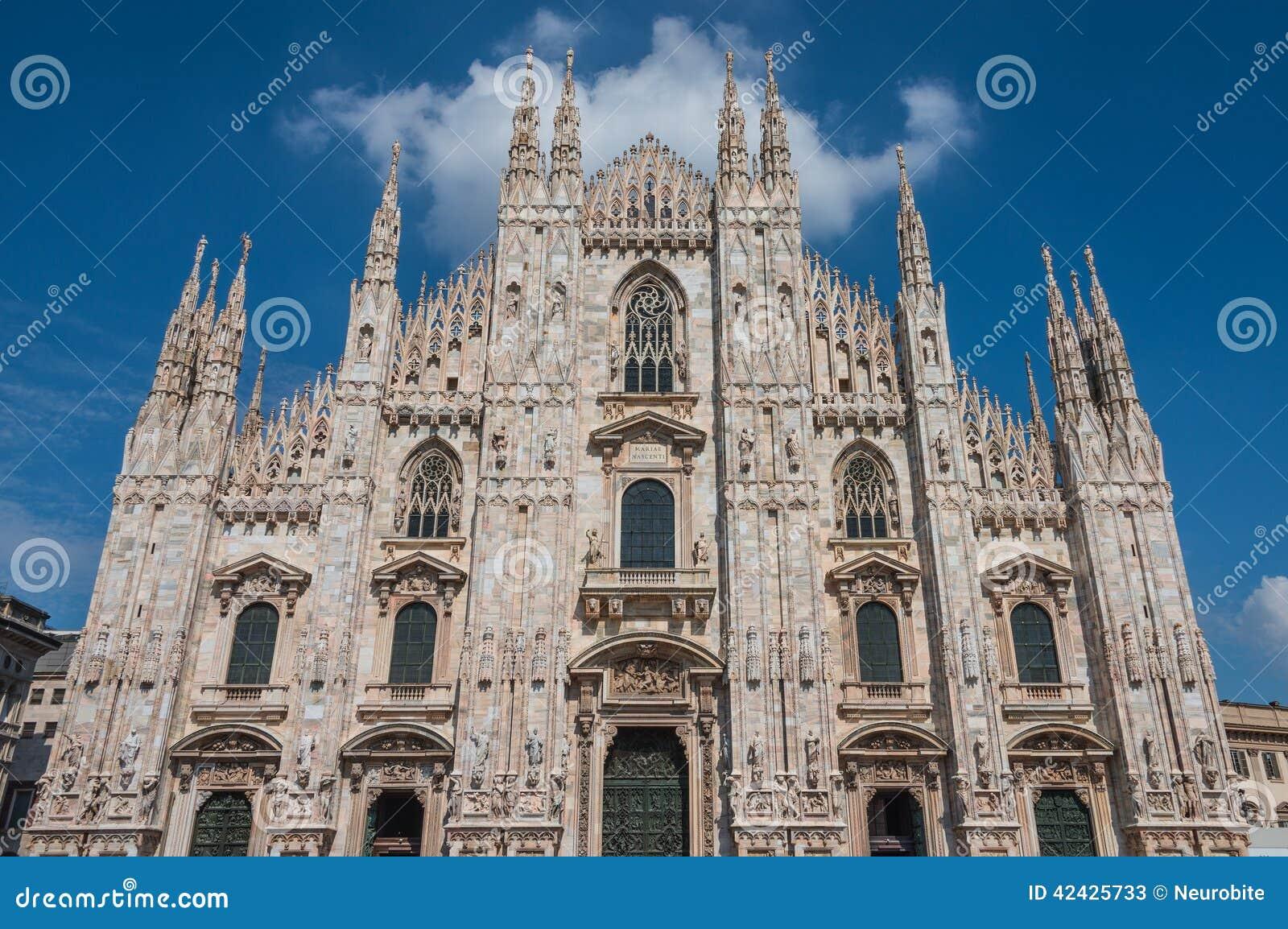 Di Milano, catedral del Duomo de Milano, Italia