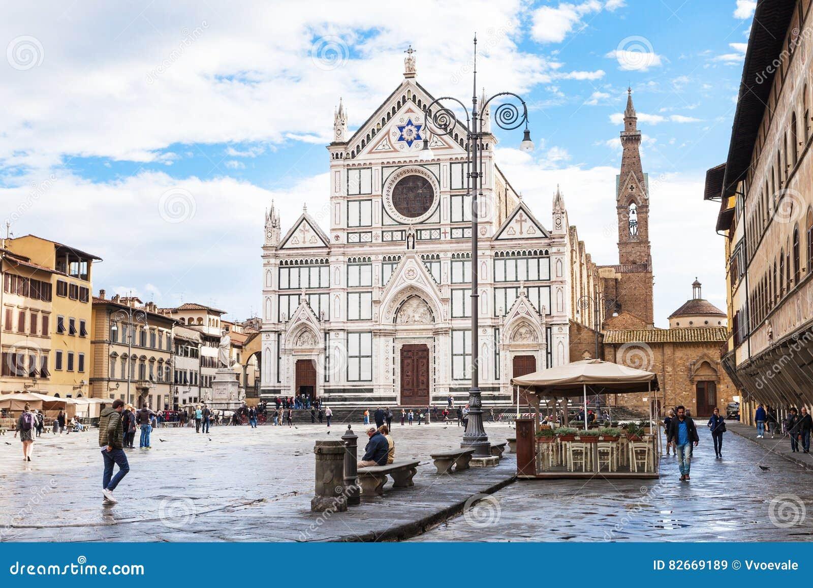 Di Santa Croce аркады с di Santa Croce базилики