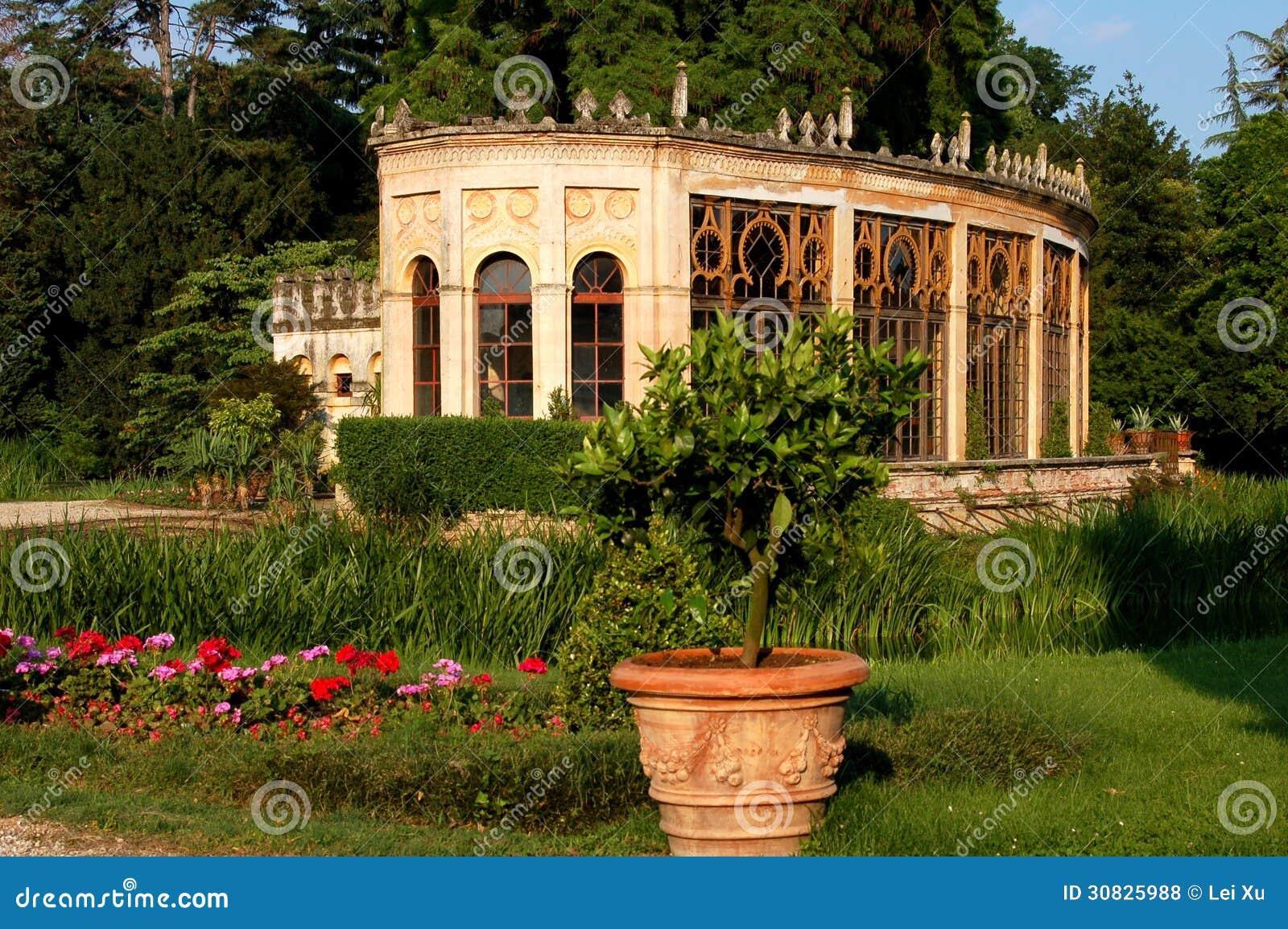 Di Veneto, Italia di Castelfranco: Orangerie in parco