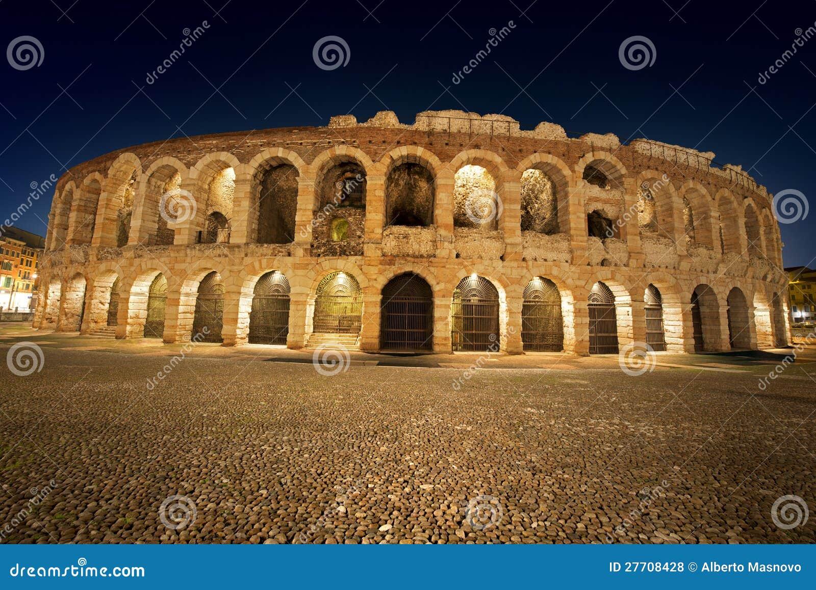 Di Verona da arena por Noite - Italy