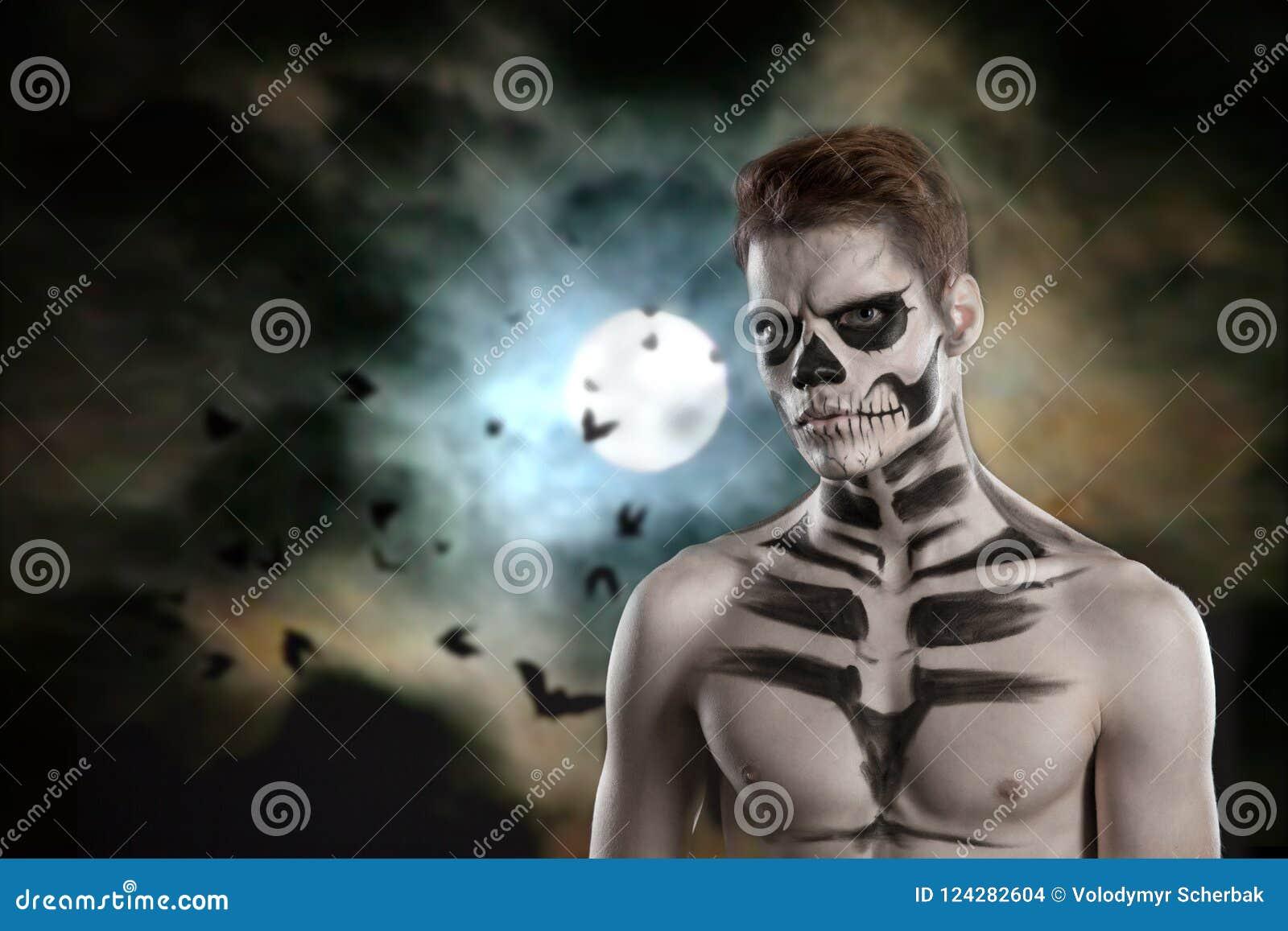 Dia de los Muerto Costume - il giorno dei morti è una festa messicana Qui è un uomo con il fronte del cranio